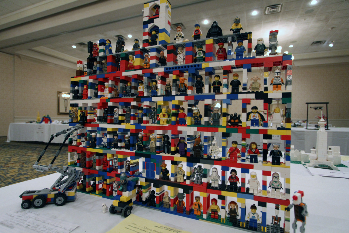 Derek mrachko 39 s lego council minifig stand ann arbor - Plus belle construction lego ...
