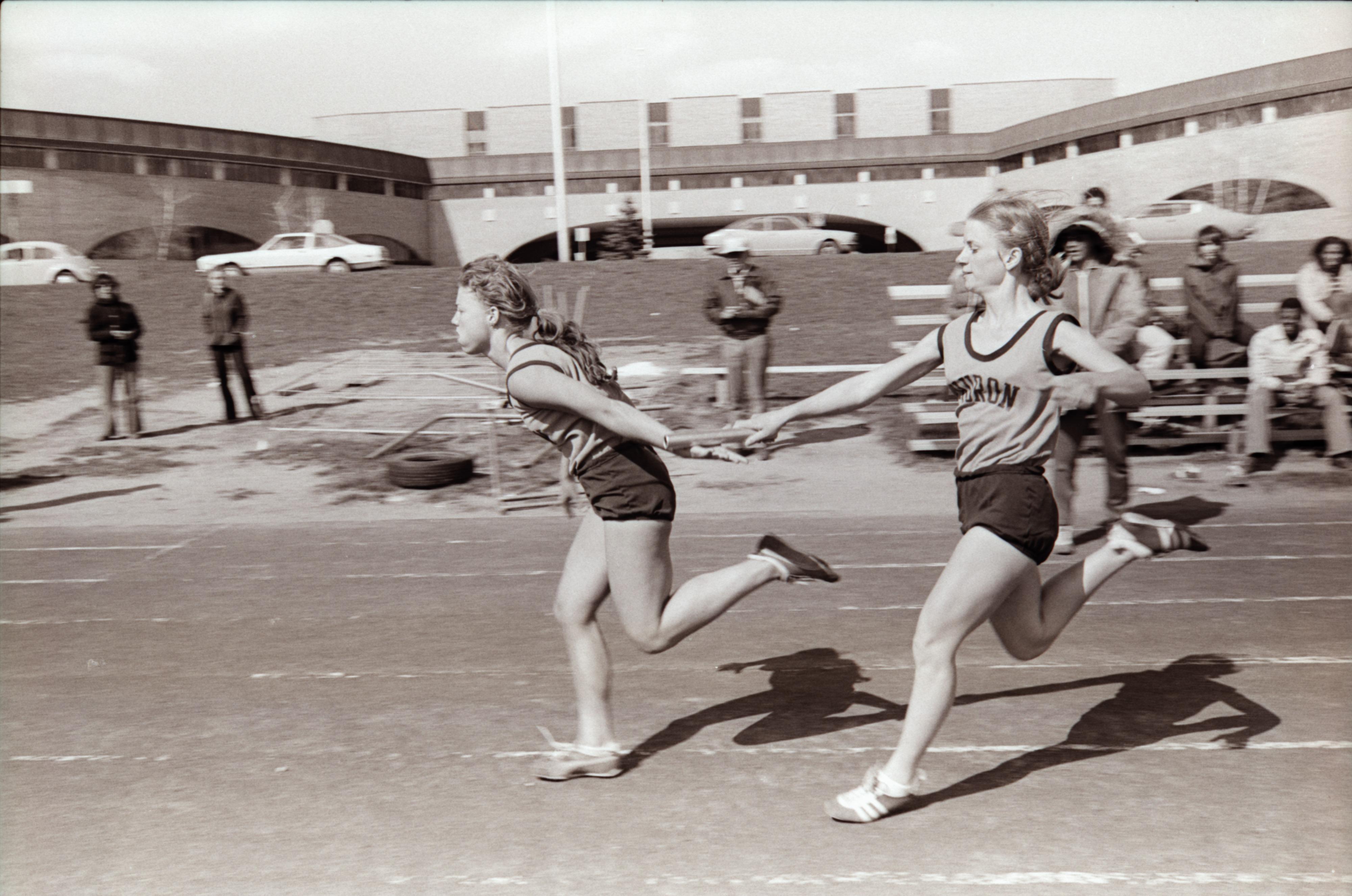 Huron High School Vs Livonia Bentley Girls Track May