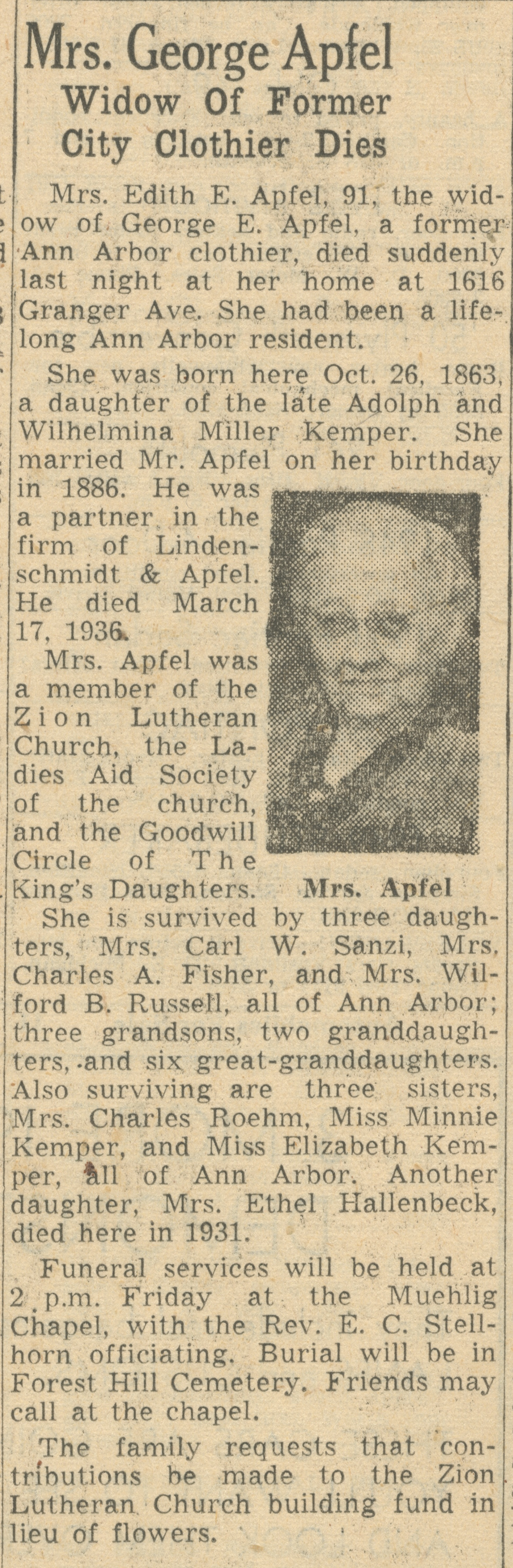 Mrs. George Apfel image