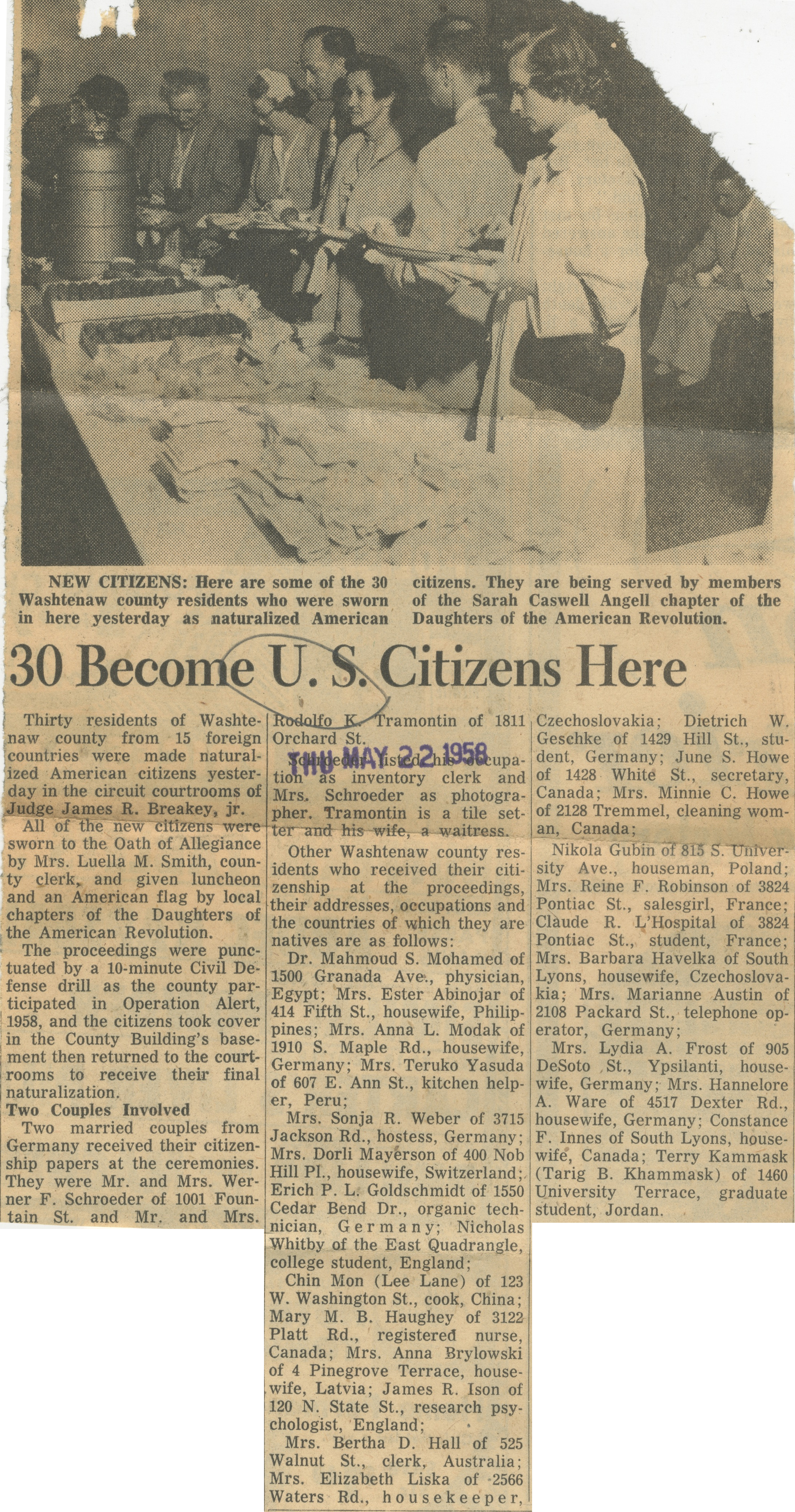 30 Become U.S. Citizens Here image