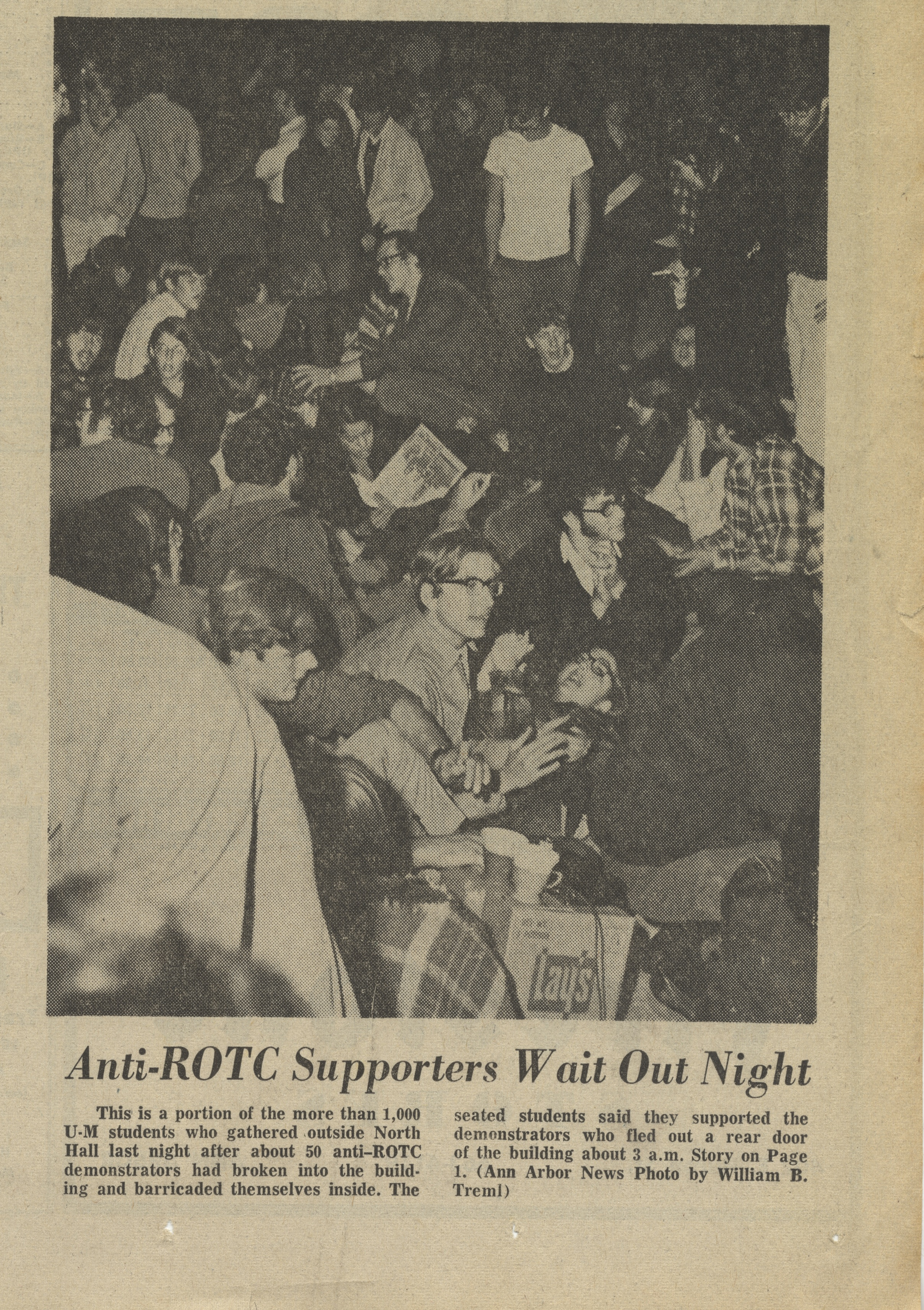Anti-ROTC Supporters Wait Out Night image