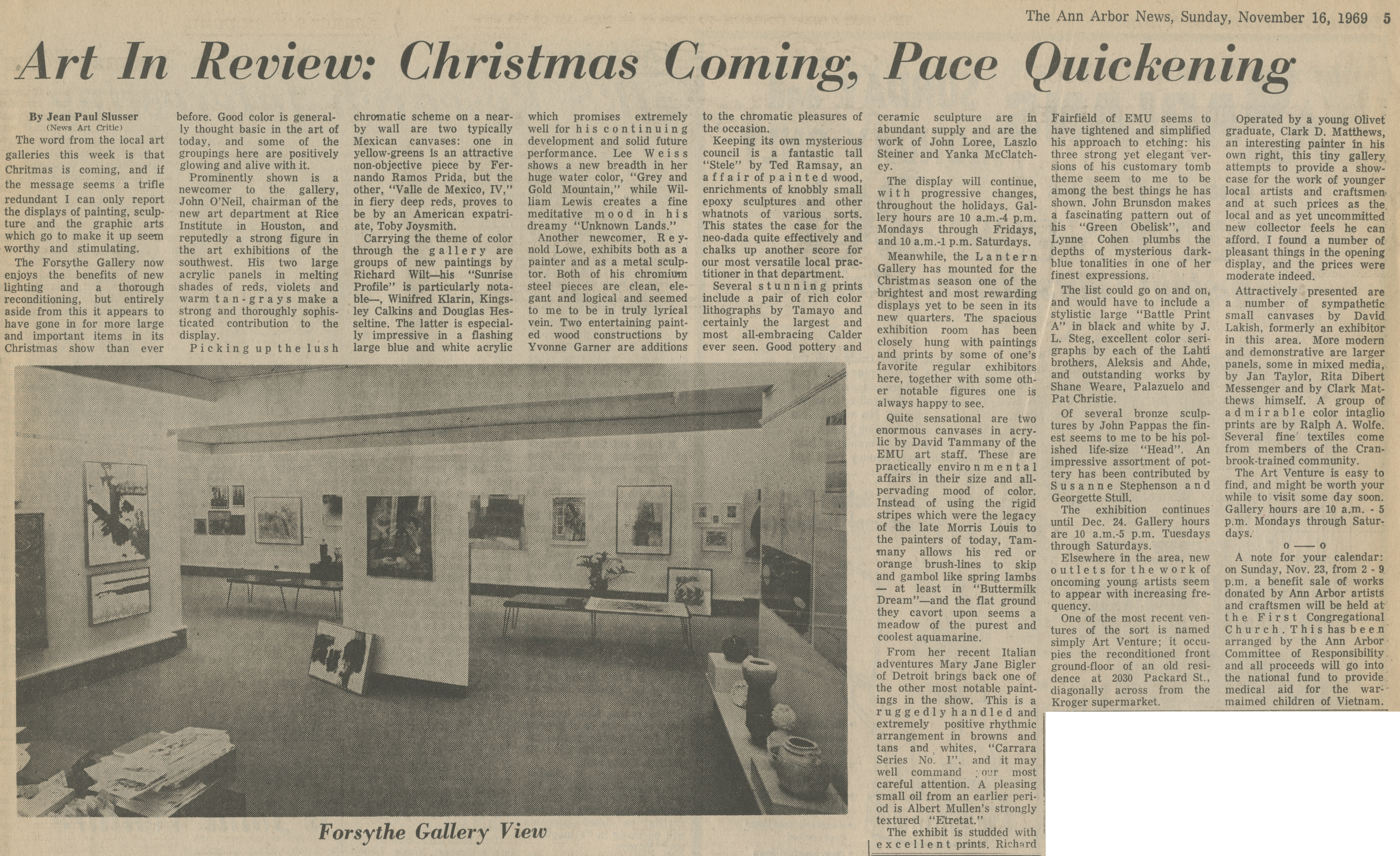 Art In Review:  Christmas Coming, Pace Quickening image
