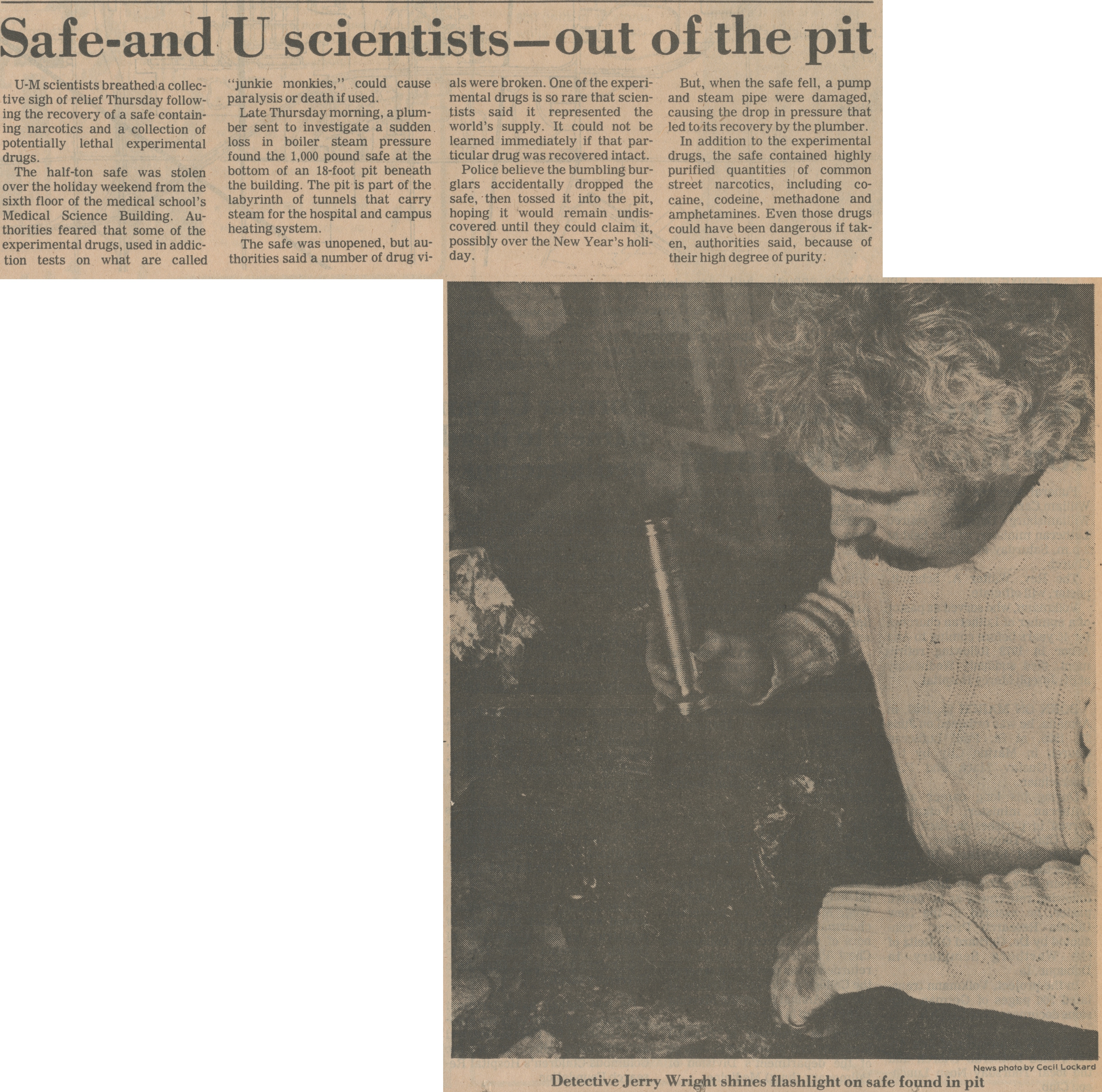 Safe  - And U Scientists - Out Of The Pit image