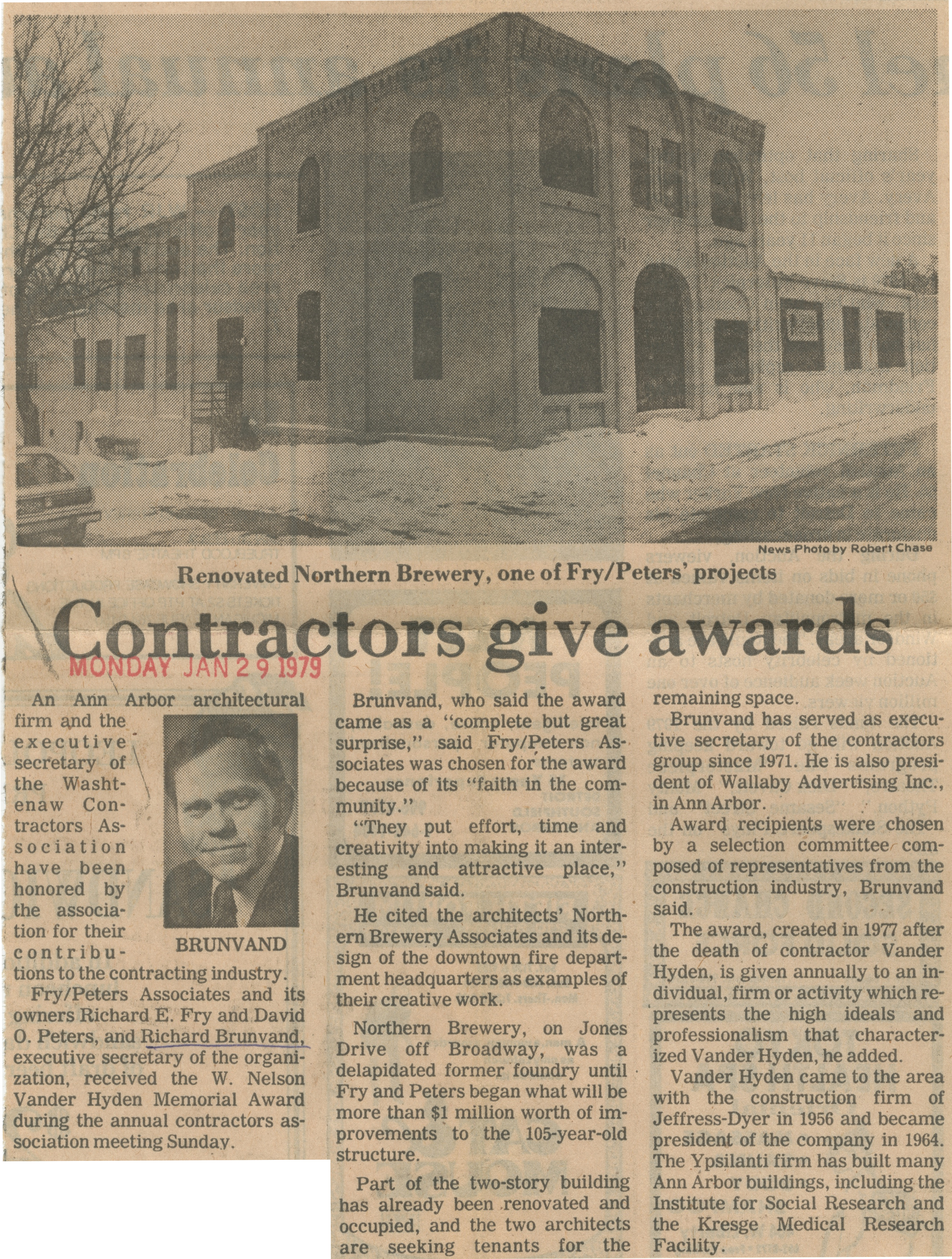 Contractors Give Awards image