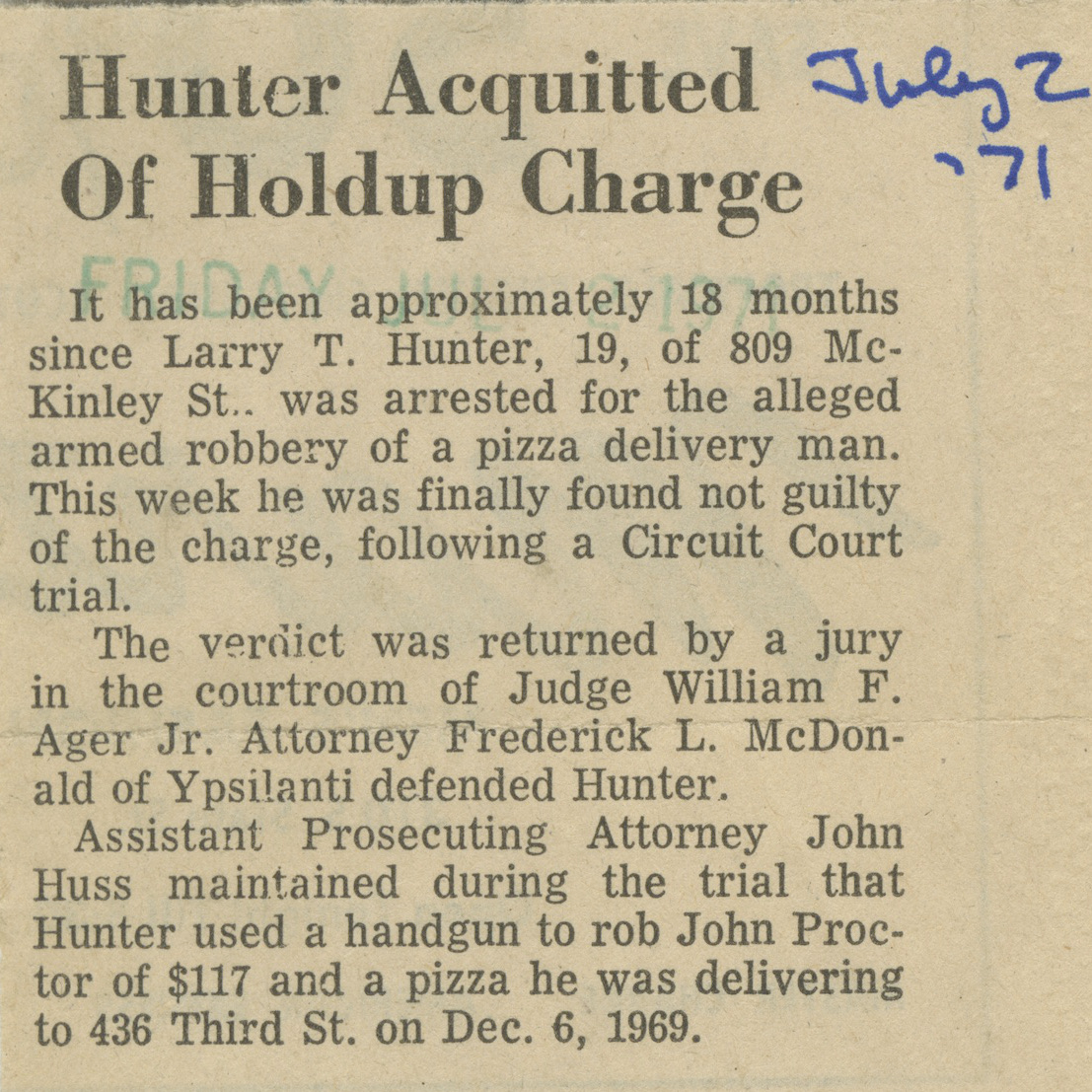 Hunter Acquitted Of Holdup Charge image