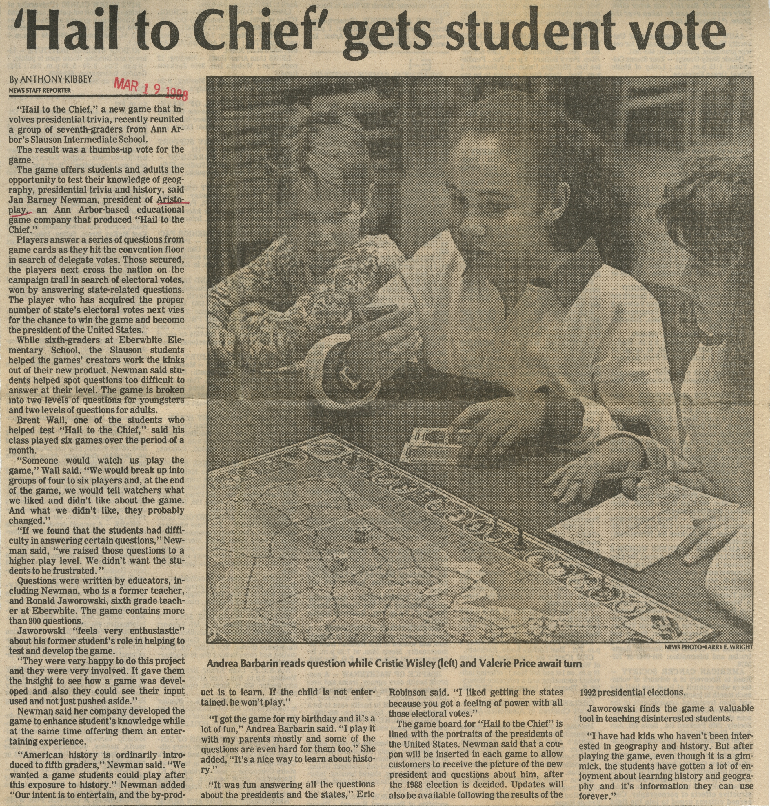 'Hail to Chief' gets student vote image