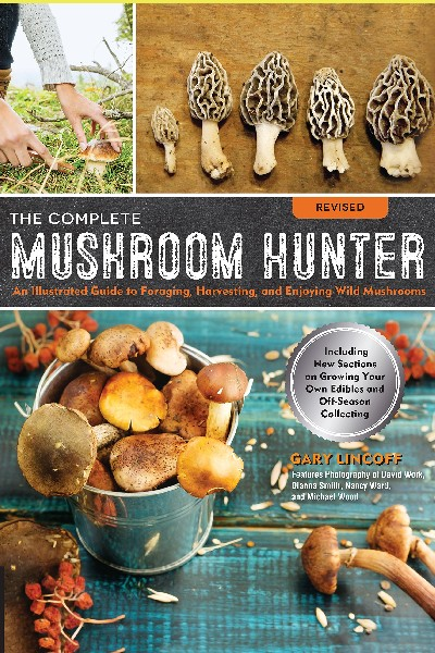 Cover image for The Complete Mushroom Hunter