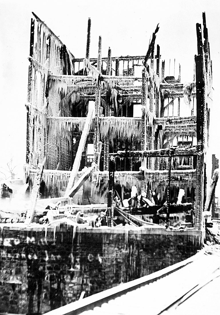 Argo consumed by fire in 1904 image