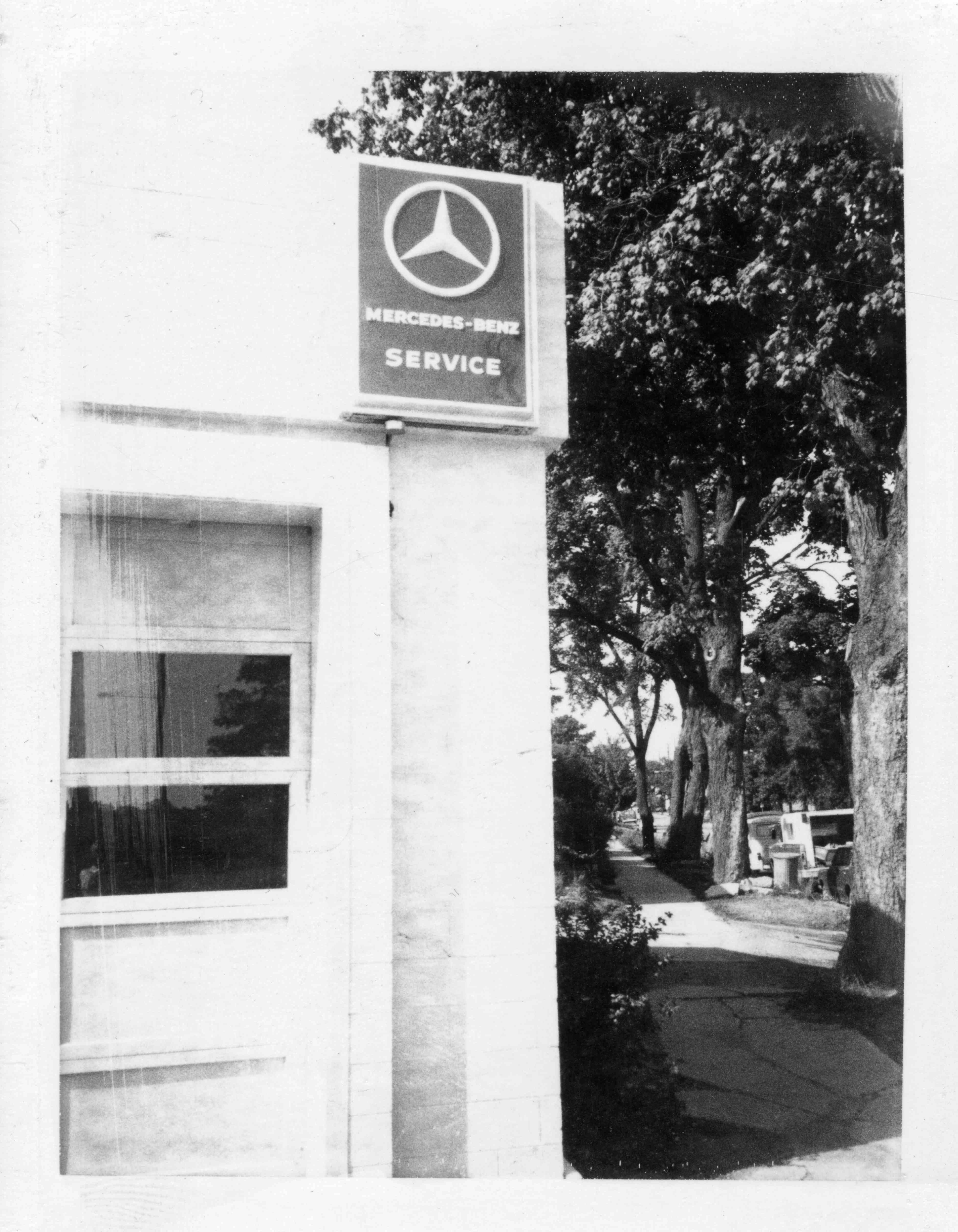 Arcure Motor Sales, 1974