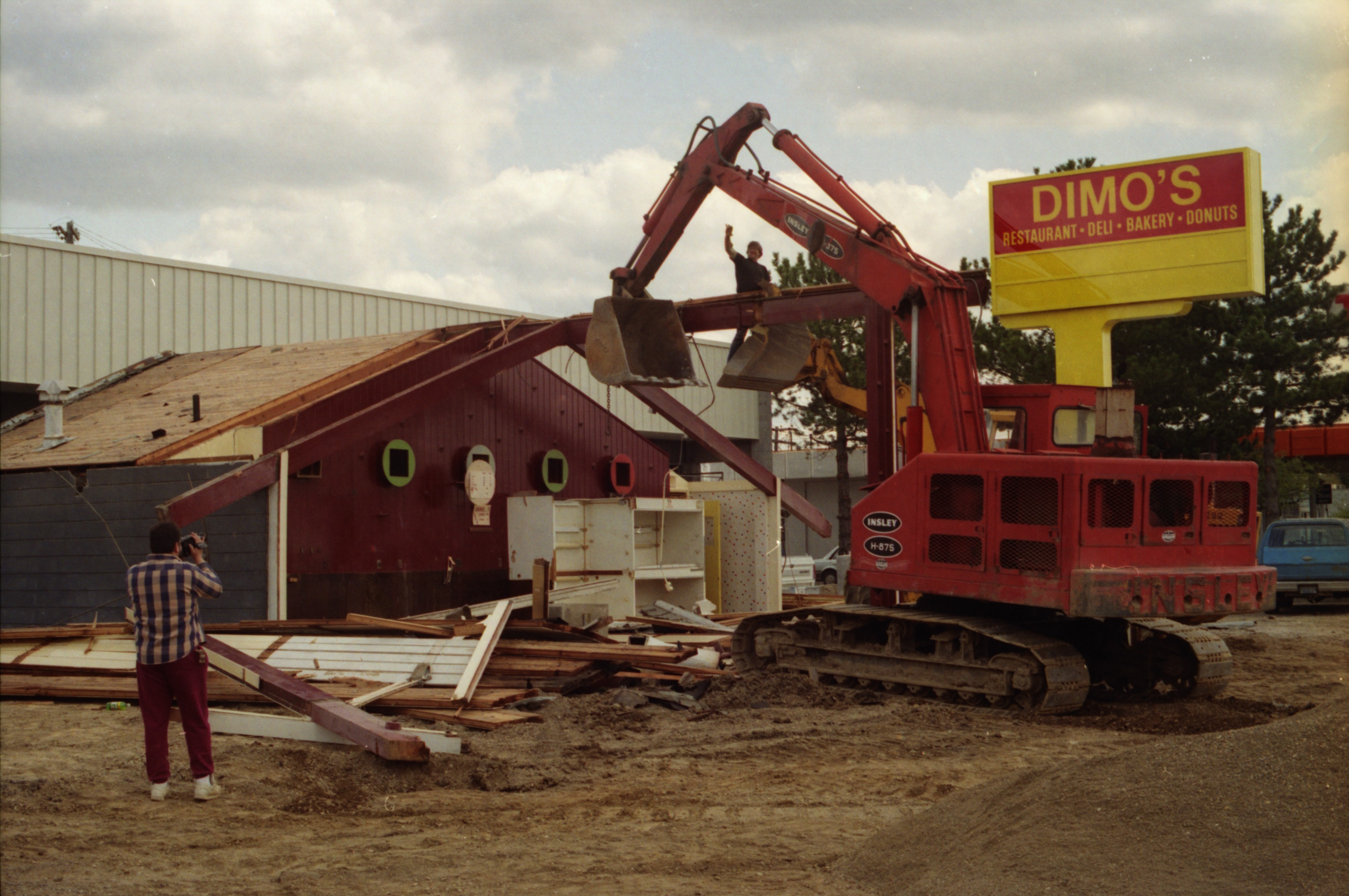 Donuts Time Building Gets Torn Down, May 1992 image