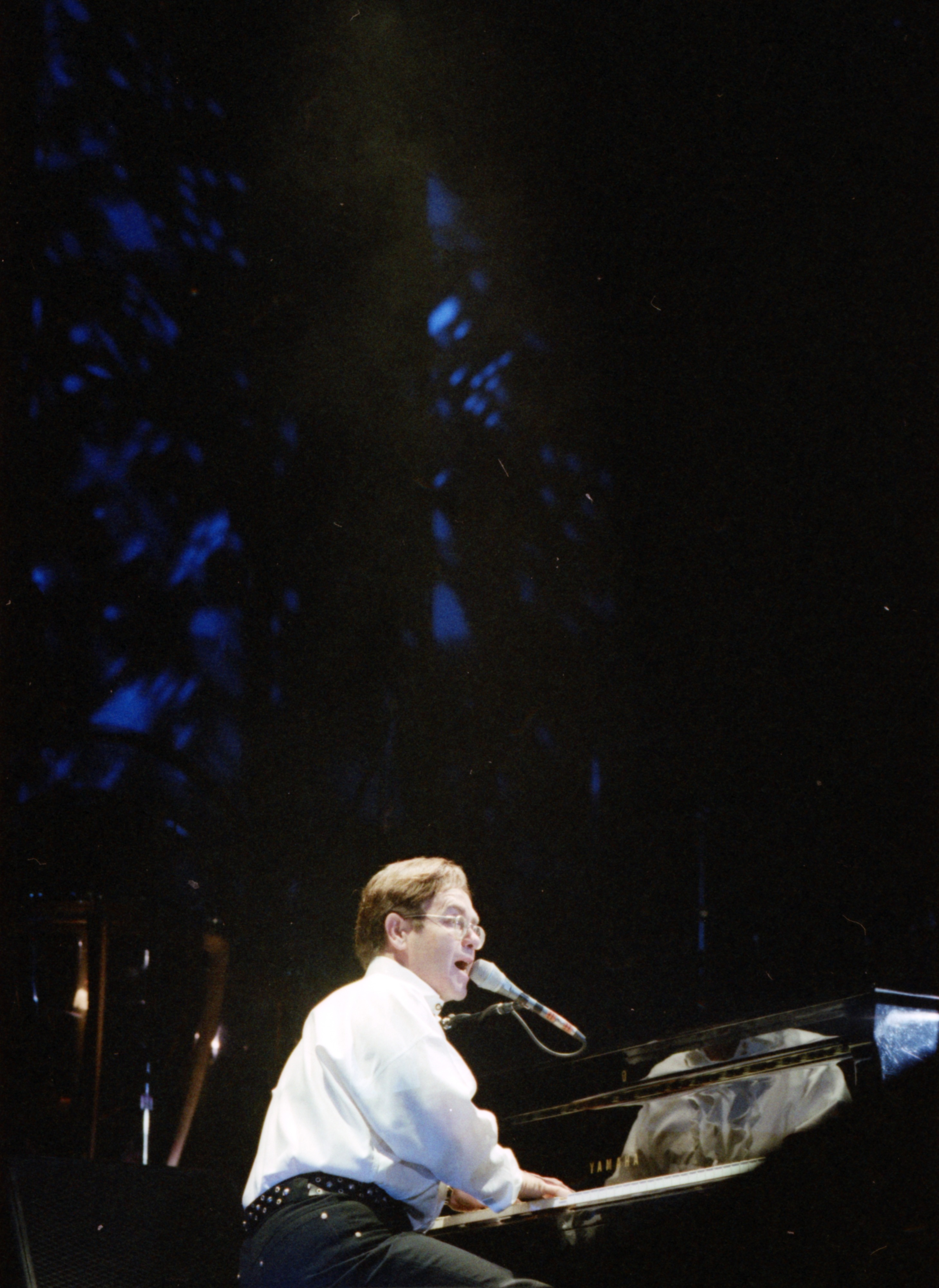 Elton John at Crisler Arena, October 15, 1993 image