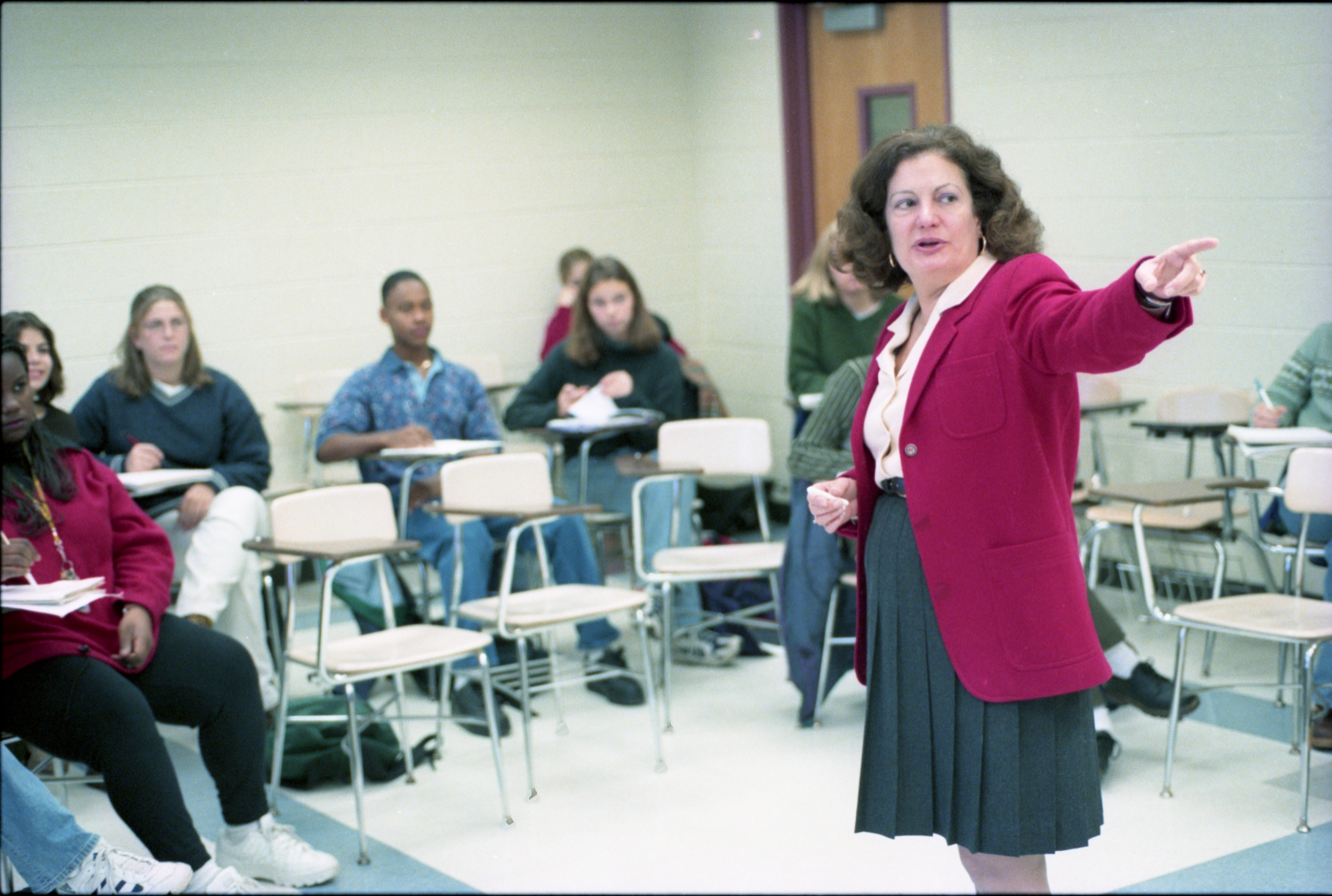 Dr. Silvia Pedraza, U-M Professor Teaches Class, November 16, 1997 image