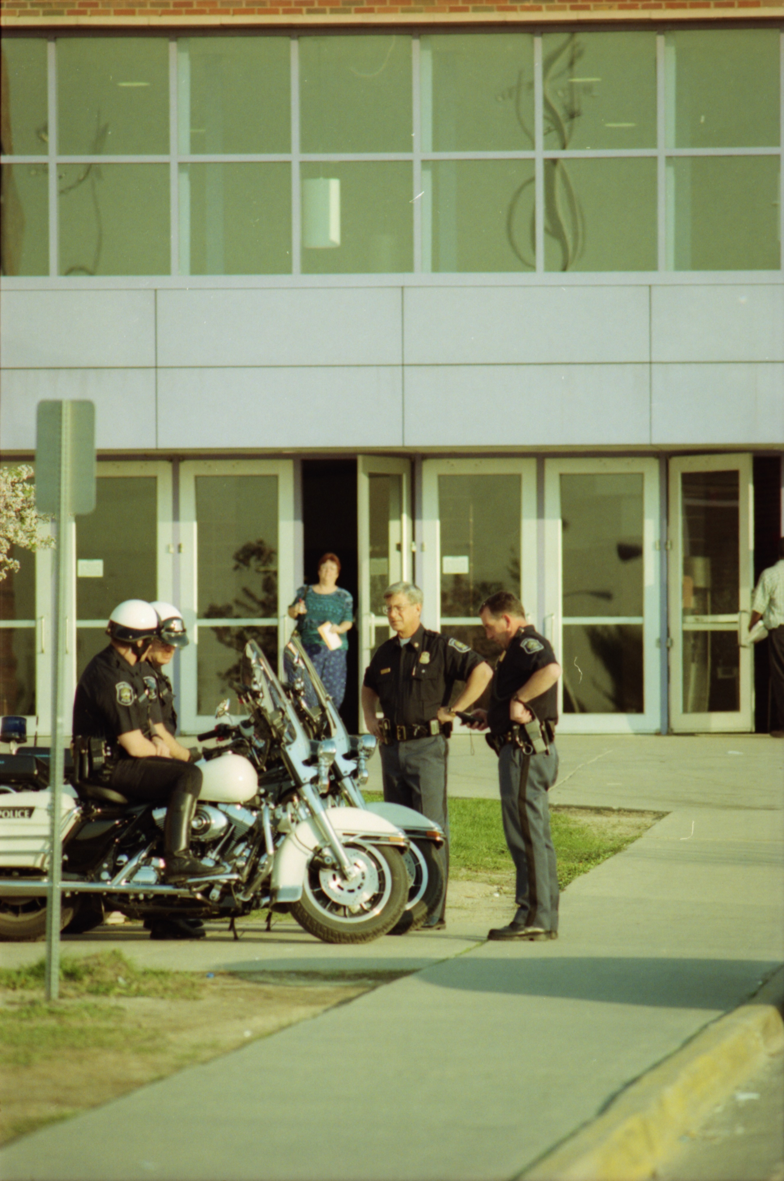 Police at Pioneer High School, May 1999 image