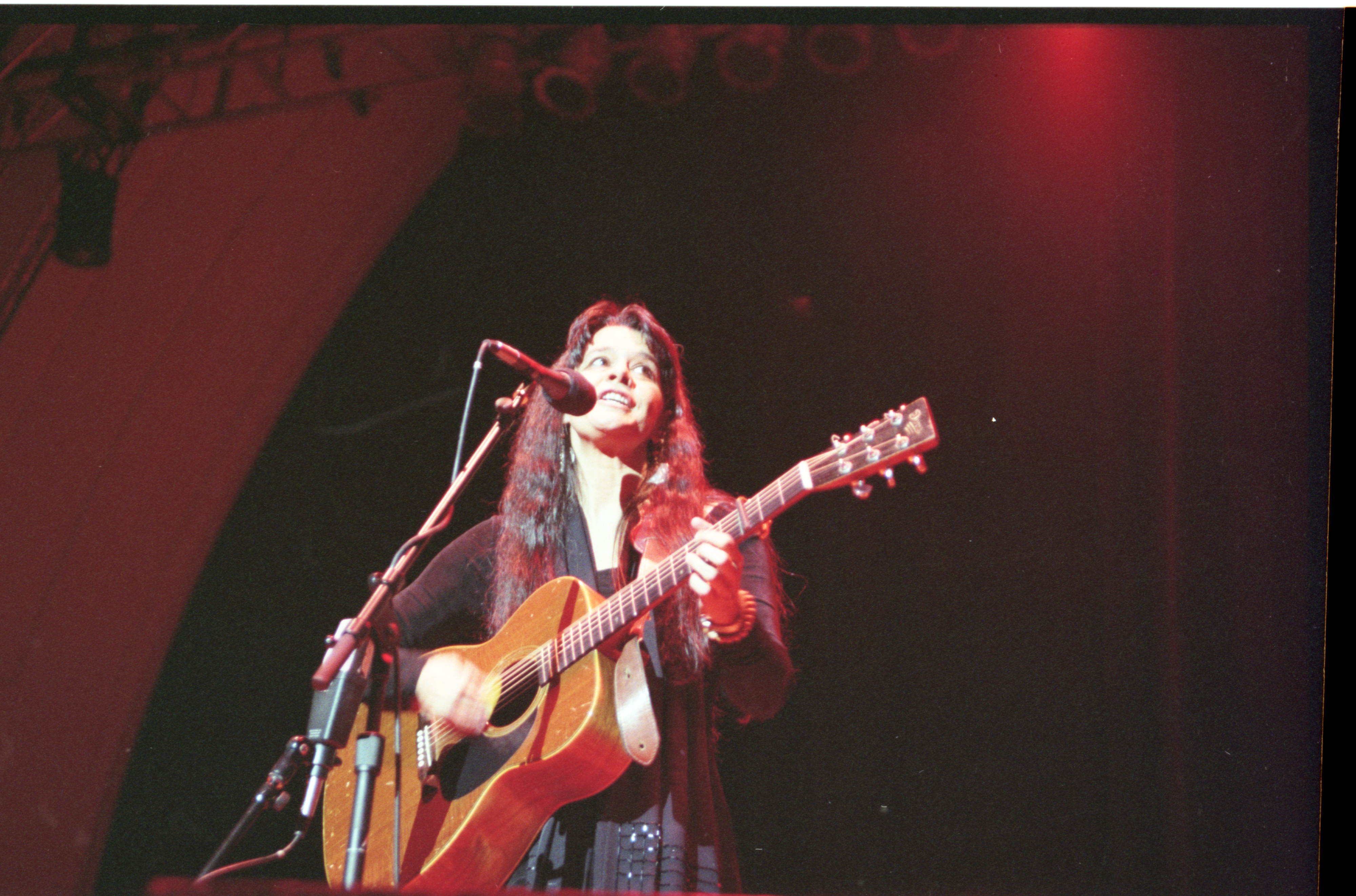 Anne Hills Performs At The Ann Arbor Folk Festival, January 2000 image