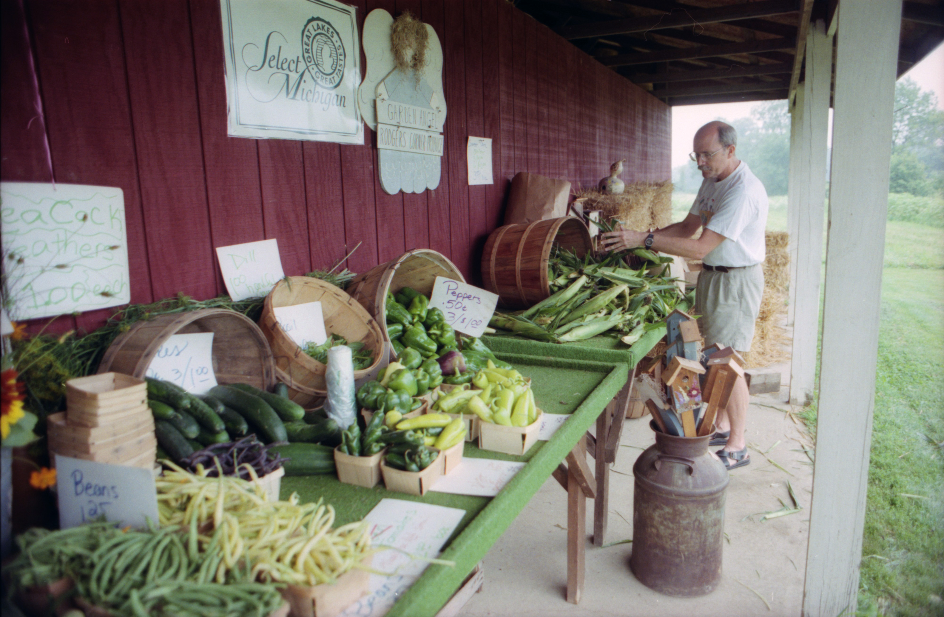 Rodgers Corner Produce, August 2000 image