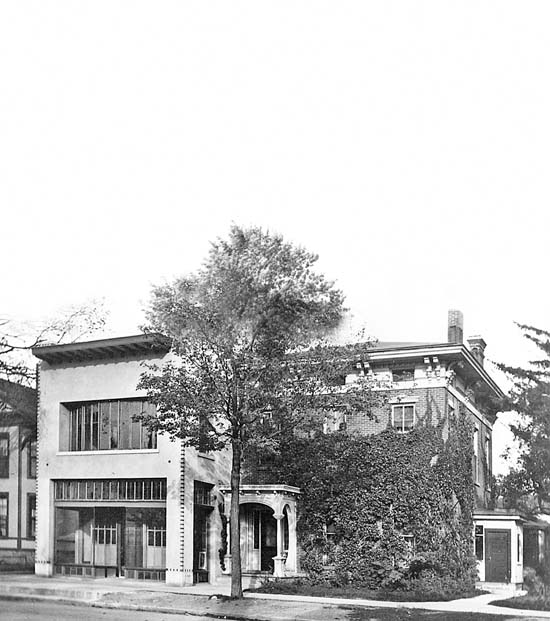 Foster's Art Goods Store, 213-215 South State Street, 1914 image