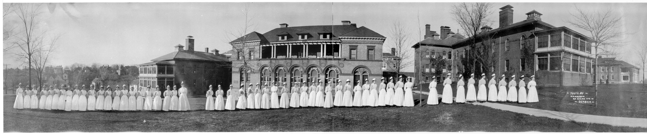 Nurses pose on Catherine Street, 1910 image