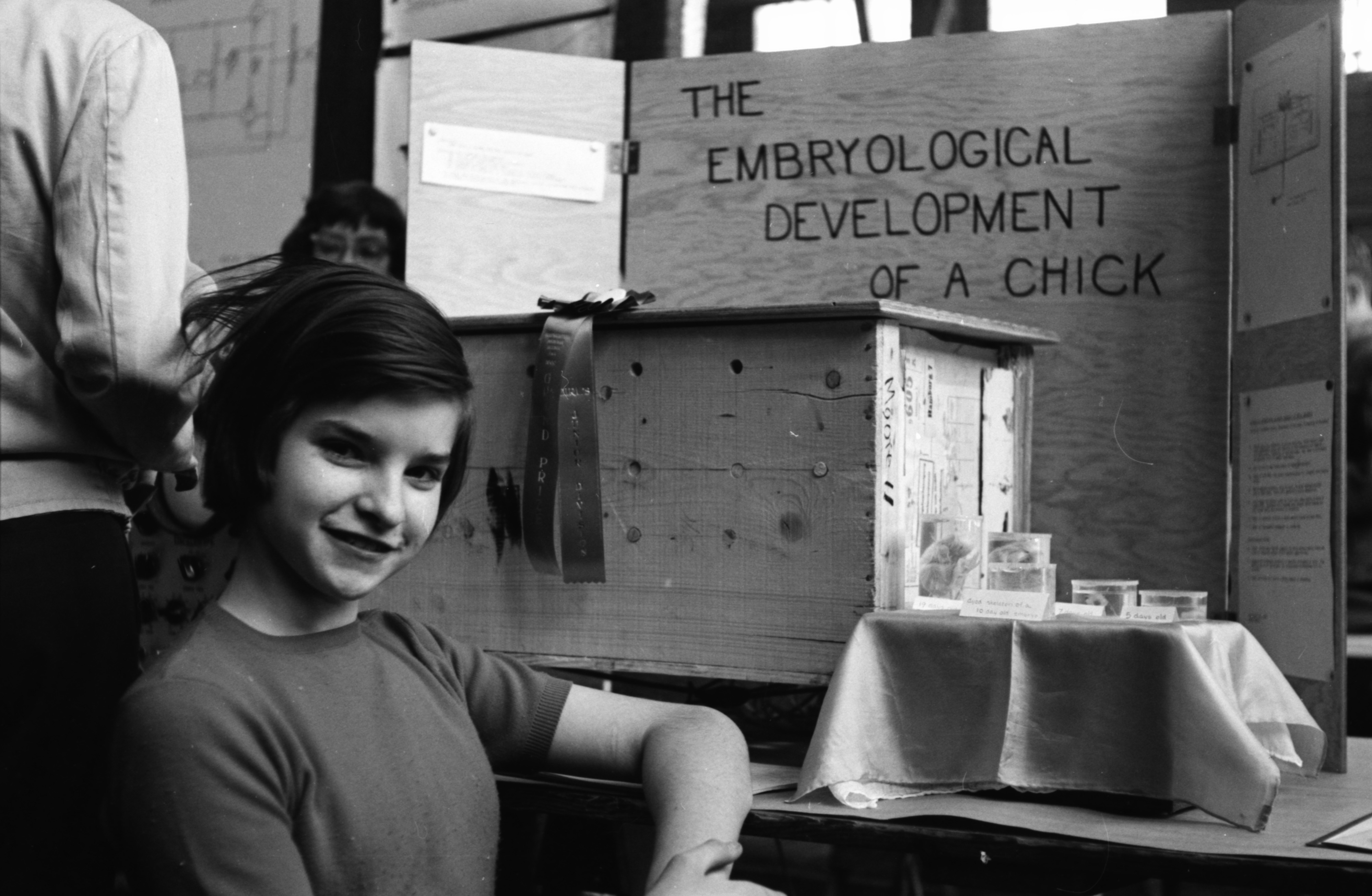Ellen Moore, of Tappan Junior High School, with her winning entry, April 1960 image
