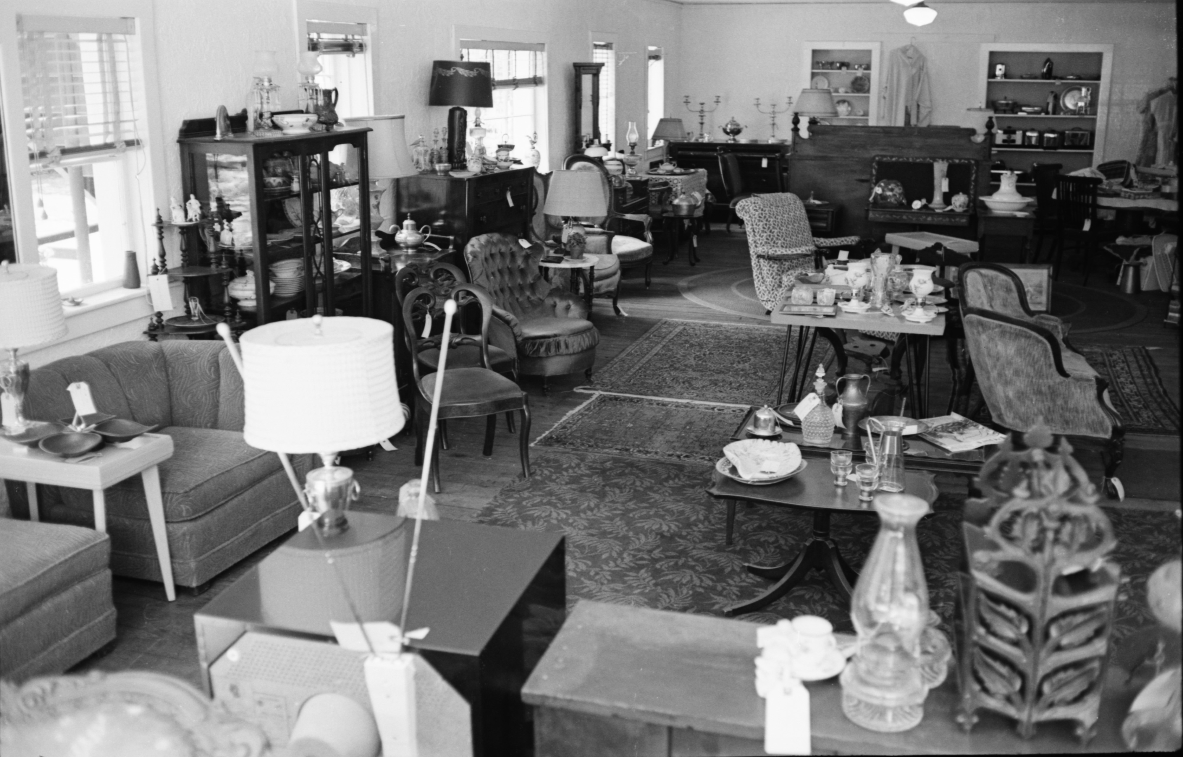 Treasure Mart Interior, September 1960 image