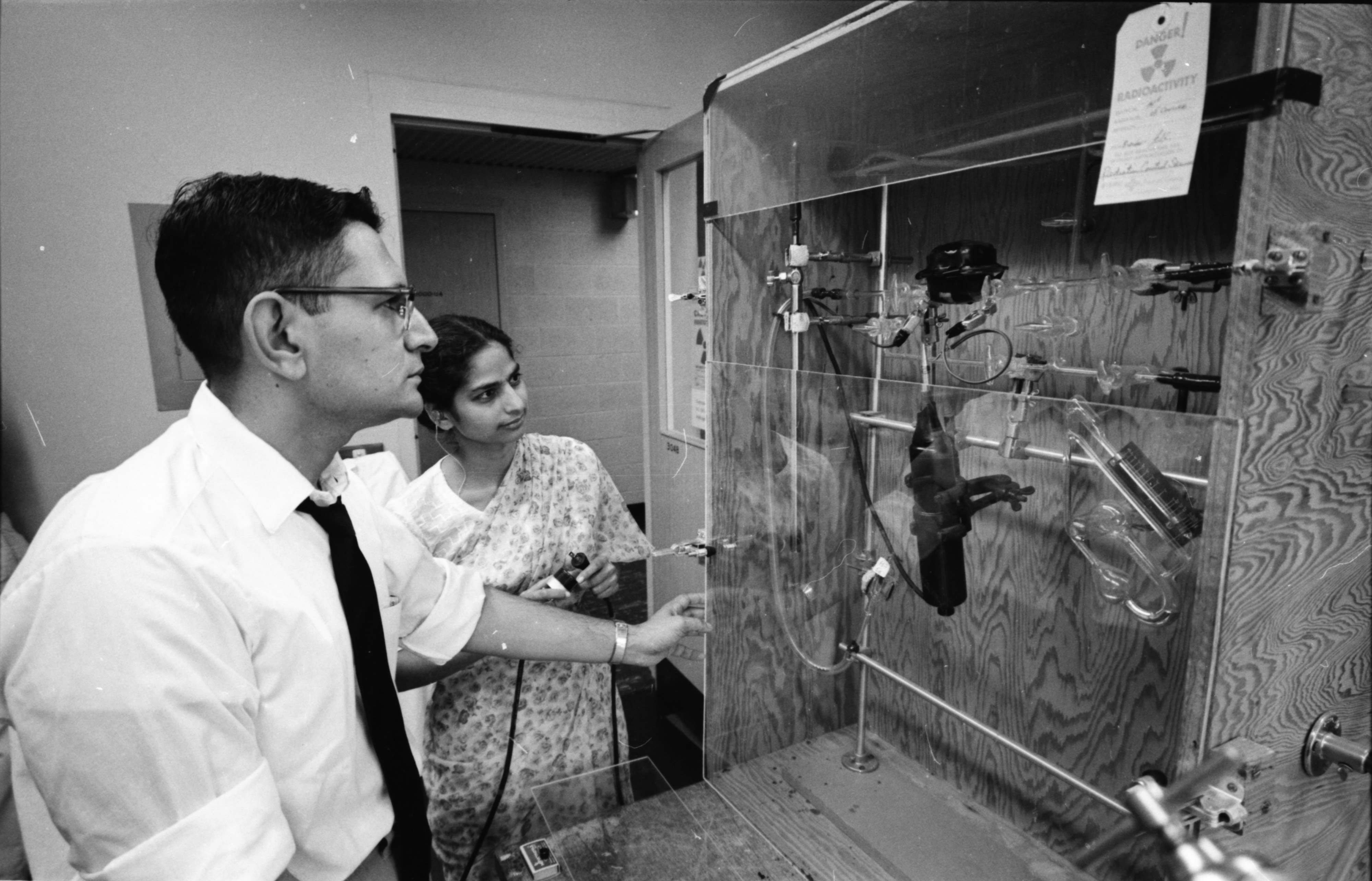 Professor P. C. Rajam and Shanti K. Seth at the Phoenix Memorial Laboratory, August 1961 image