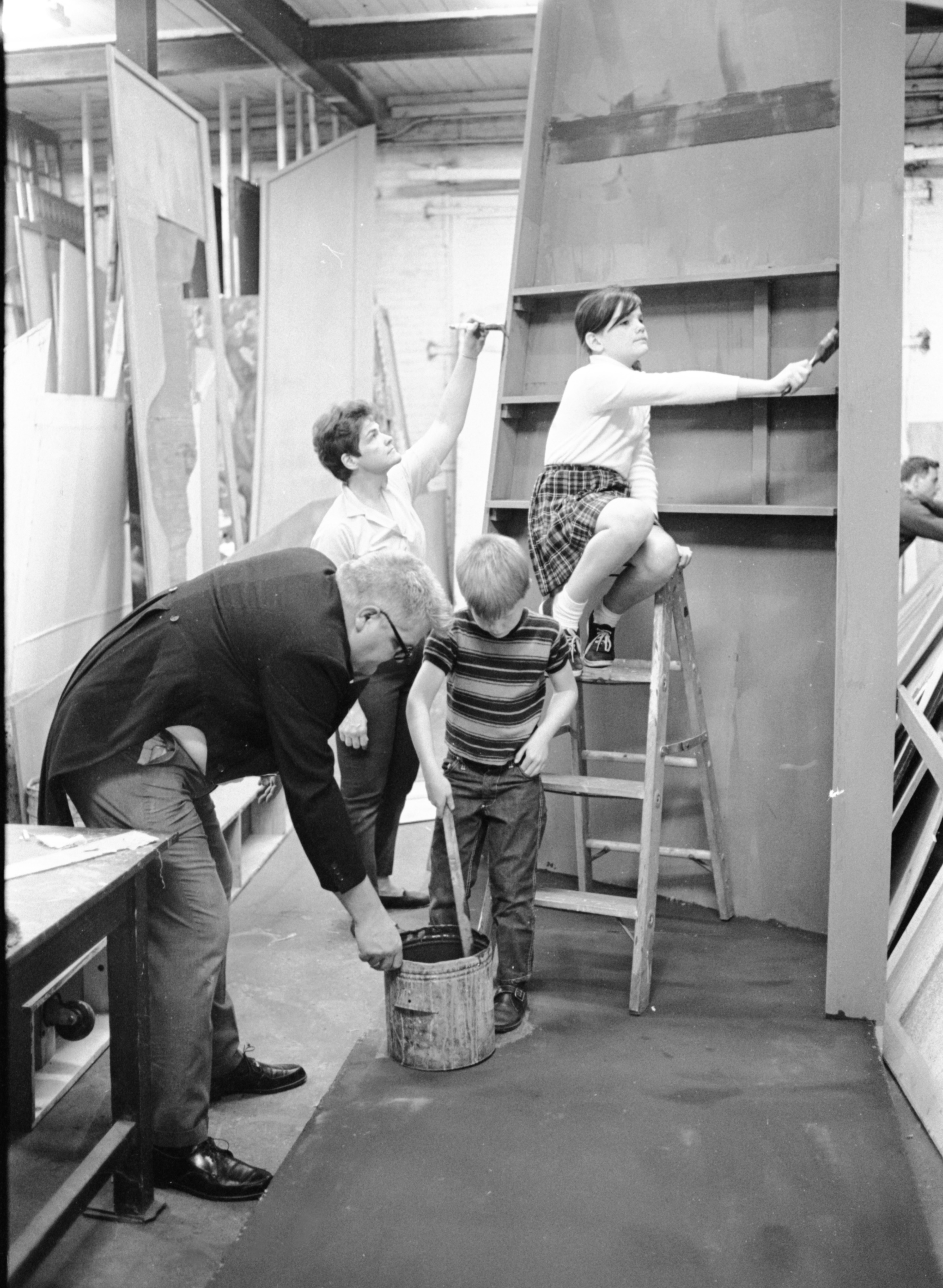 Ann Arbor Civic Theatre Actor John Stevens and Family Work on Set of 'The Visit,' October 1968 image