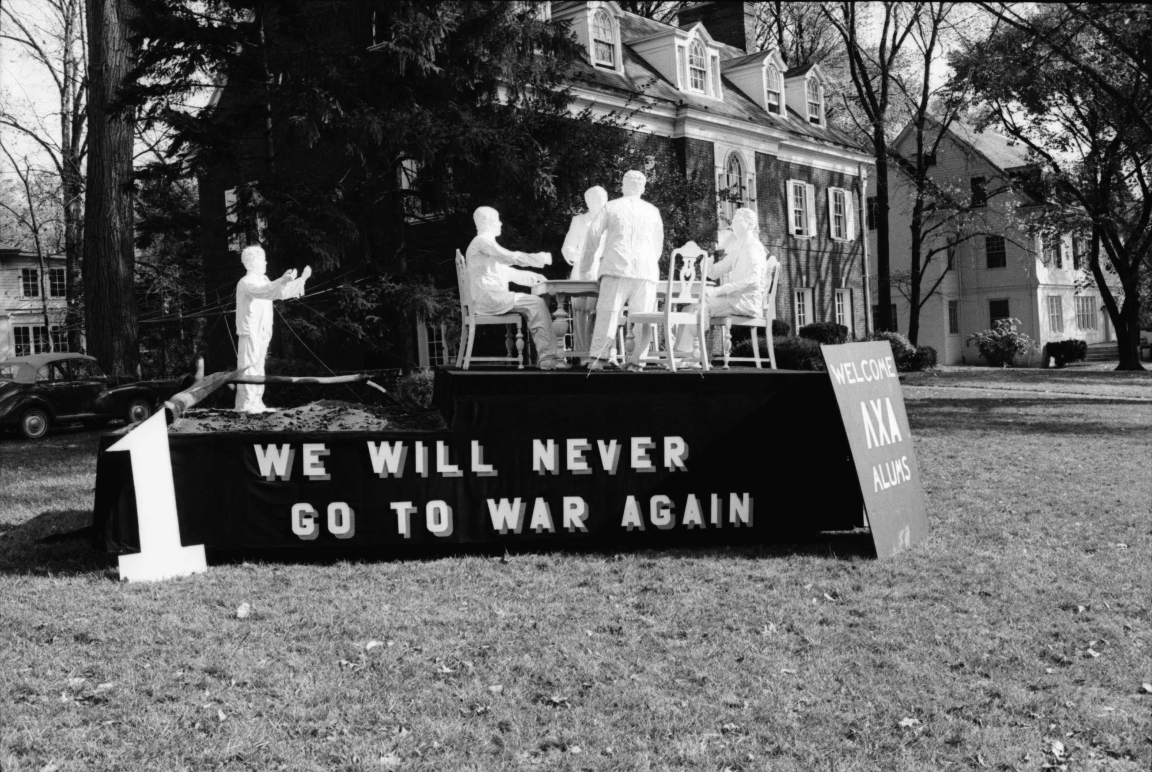 'Peace' float takes first place in University of Michigan Homecoming parade, October 1968 image