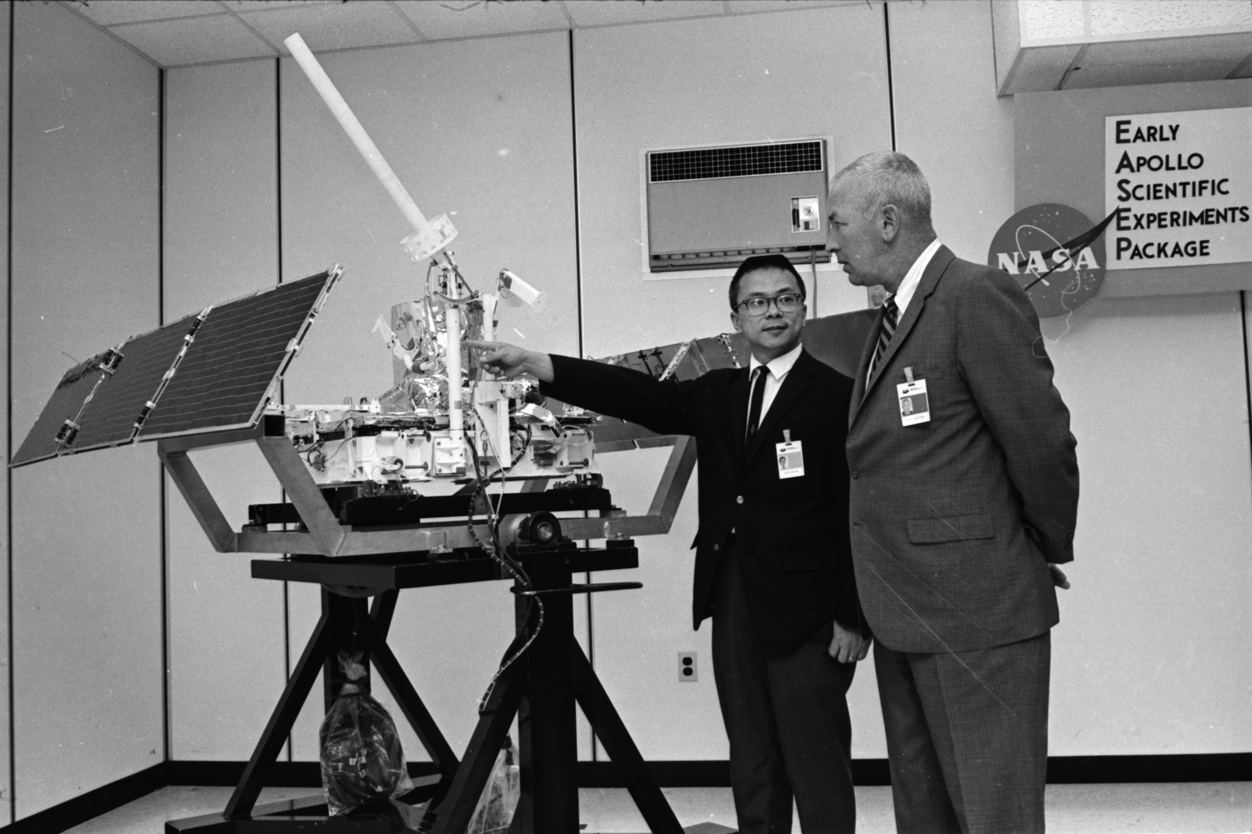 Hwei-Kai Hsi demonstrates features of an experimental Bendix package that will be delivered to the moon, April 1969 image