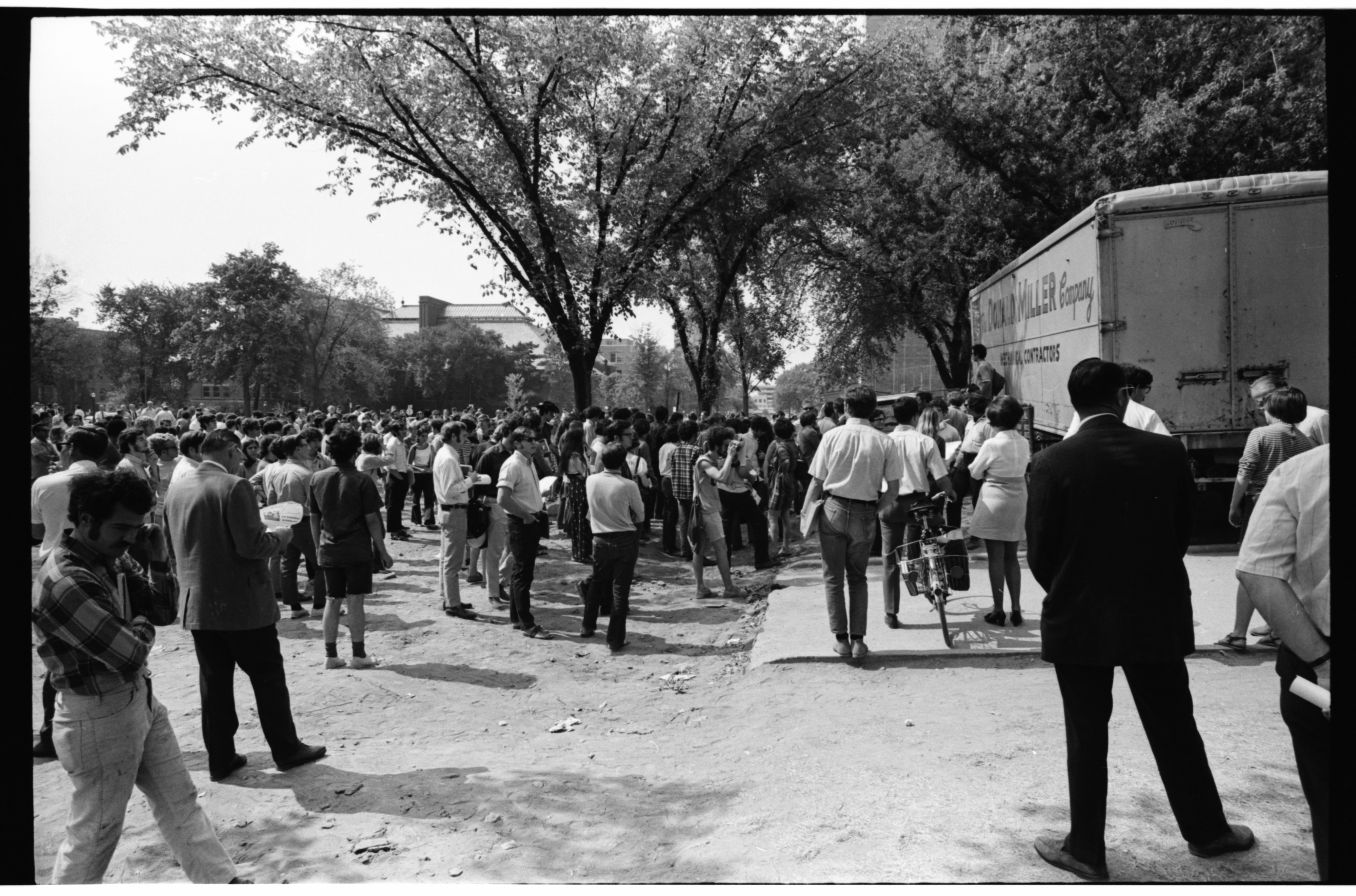 U-M Protesters Outside of the ROTC Building, September 1969 image