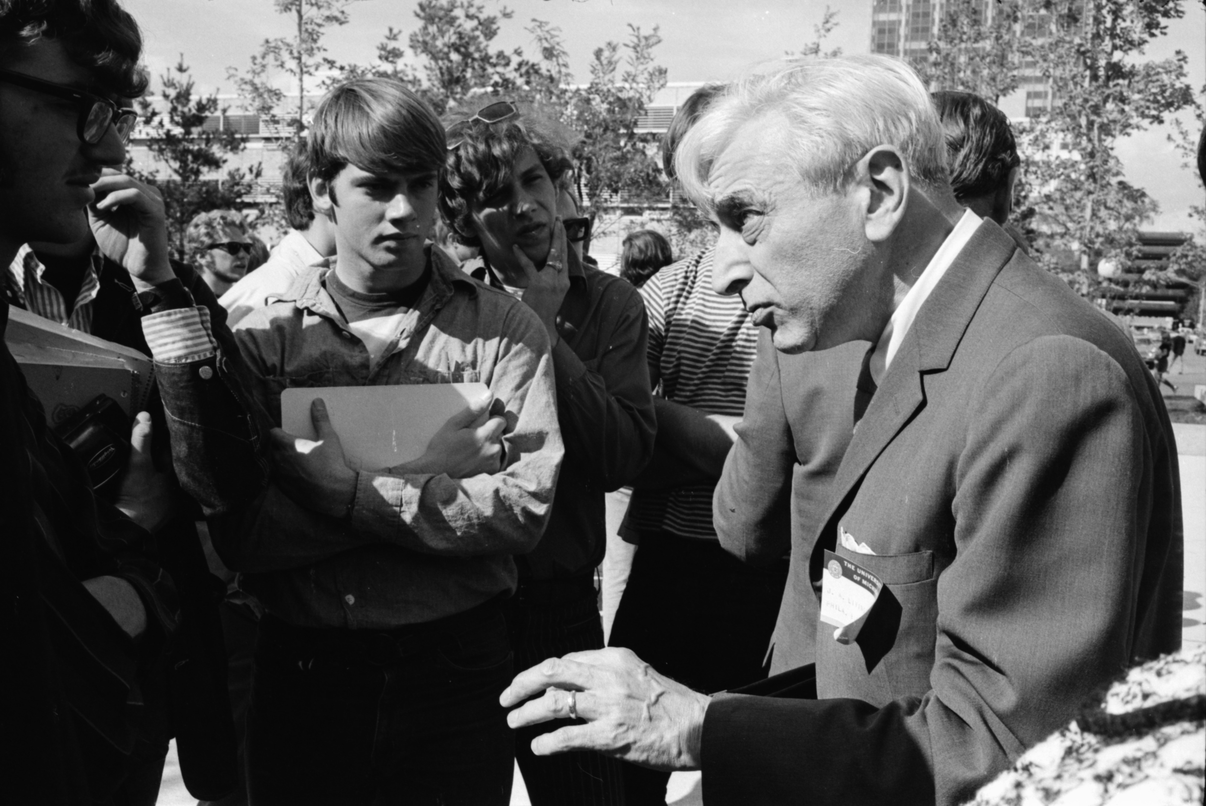 Writer Joseph A. Livingston Speaks to Student Protesters, September 1969 image