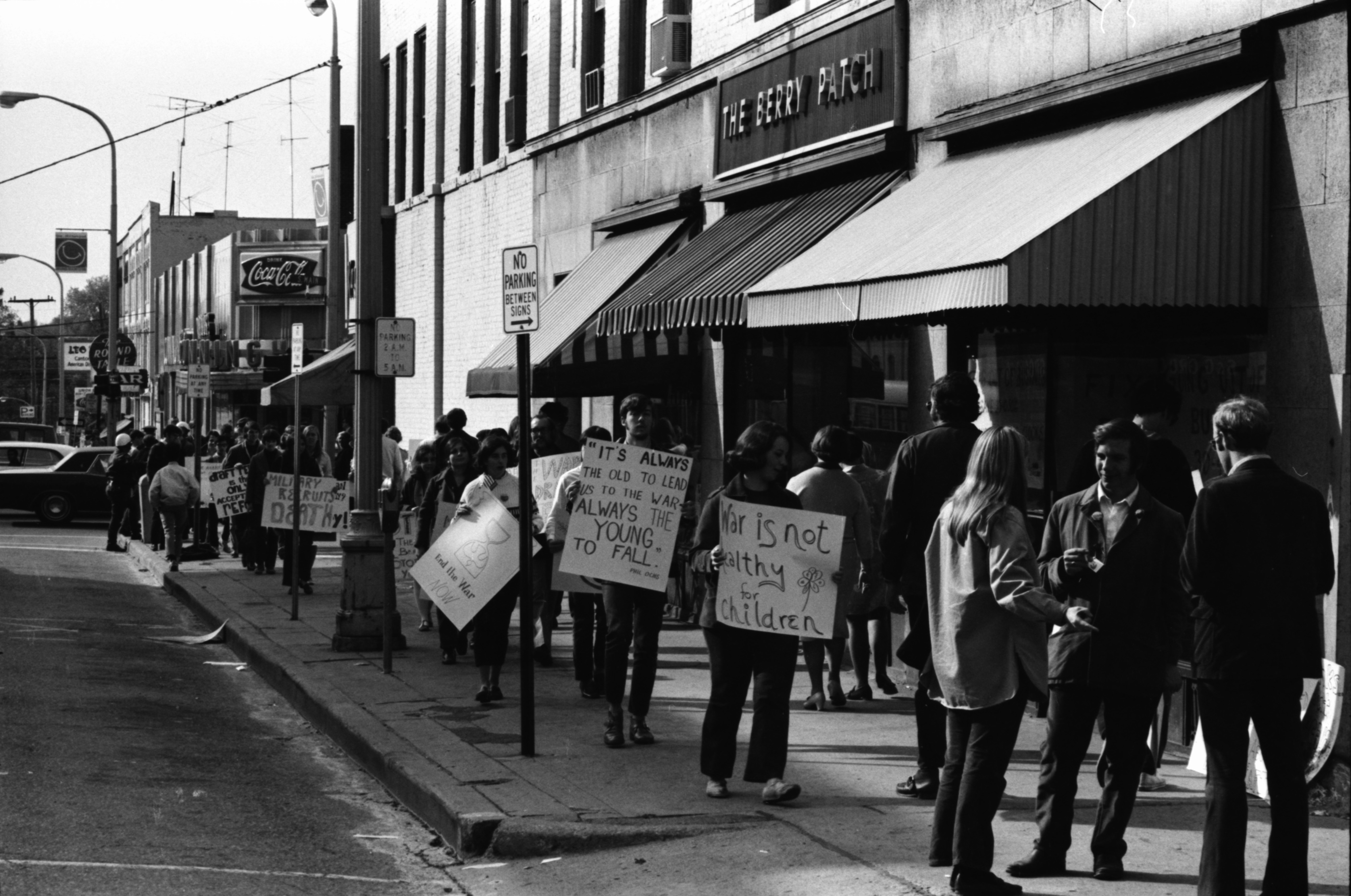 Protesters Picket City Draft Board, October 1969 image
