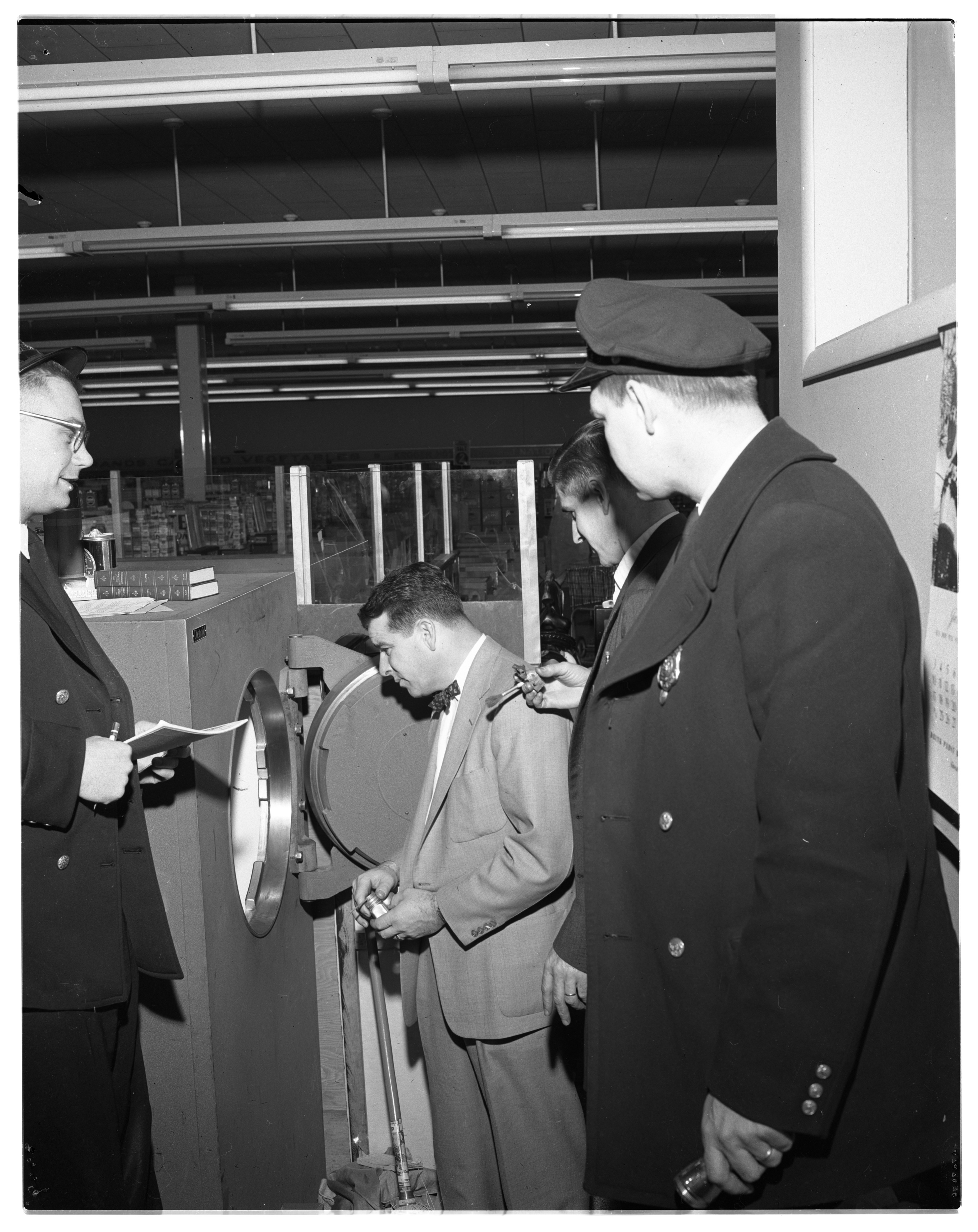 Safe Looted of $4,500 at Stadium Blvd. Kroger Supermarket, February 1954 image
