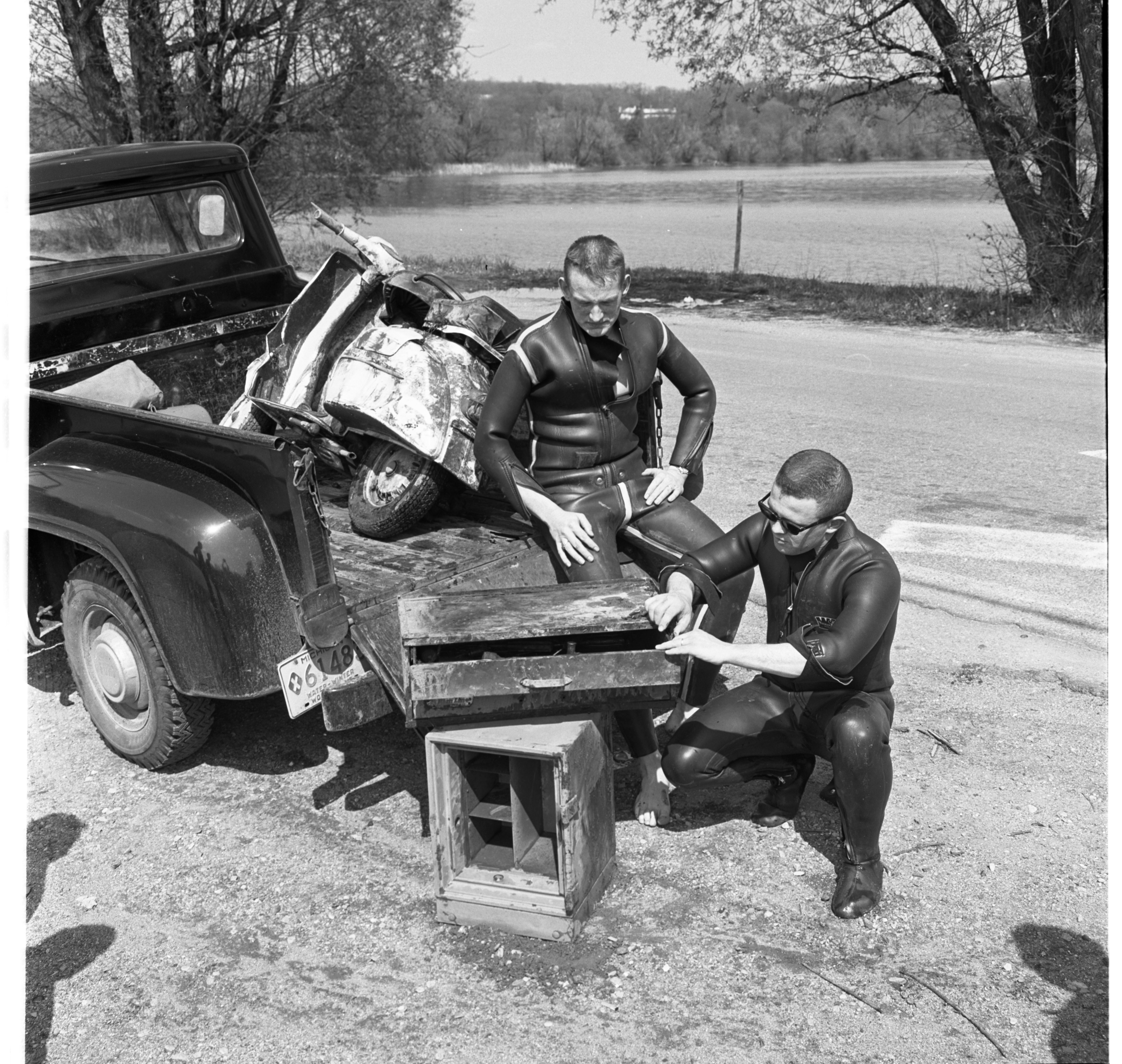 Officers With Stolen Property Recovered From Huron River, May 1967 image