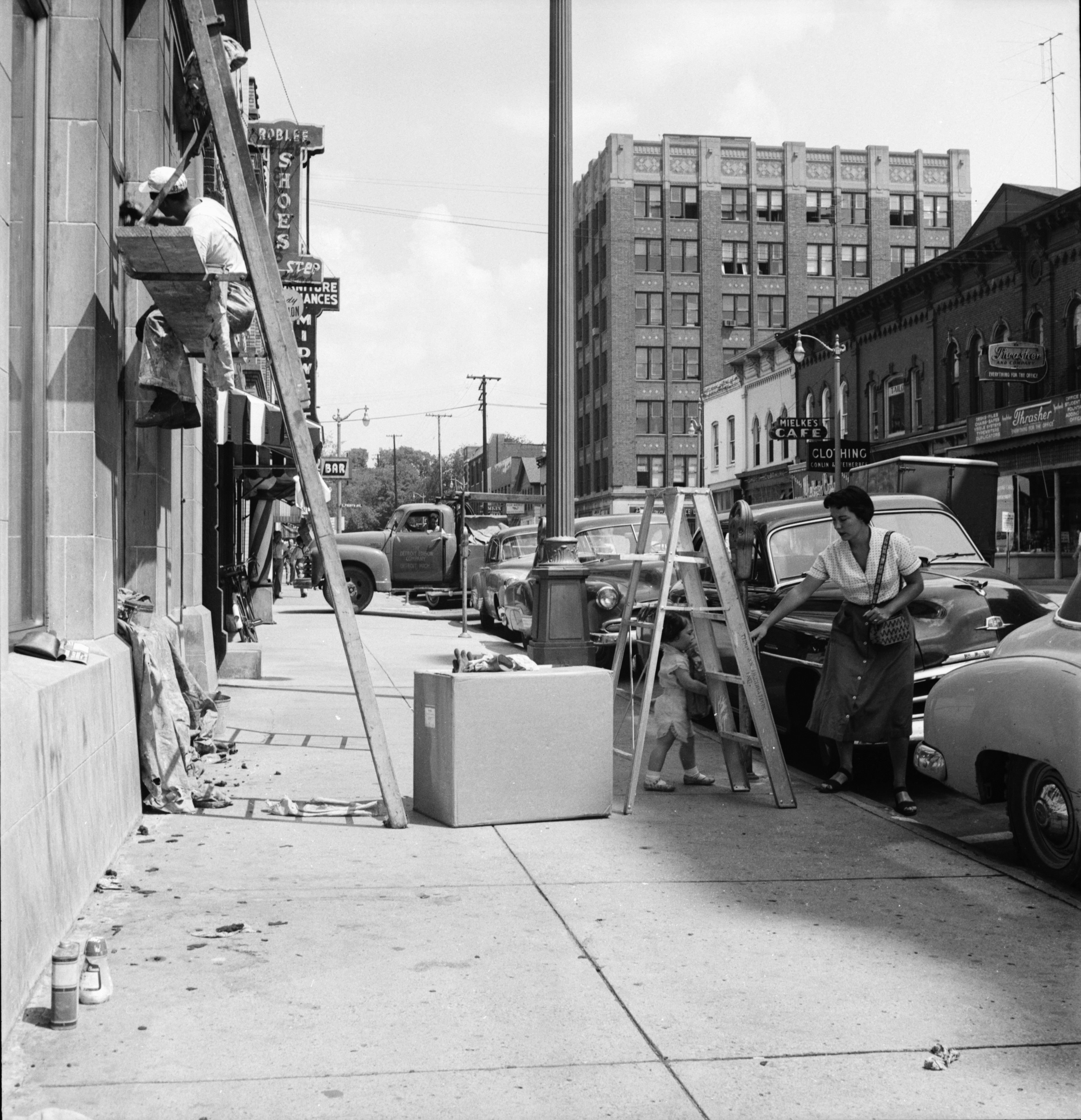 Outside State Savings Bank, 103 Washington St., August 1954 image