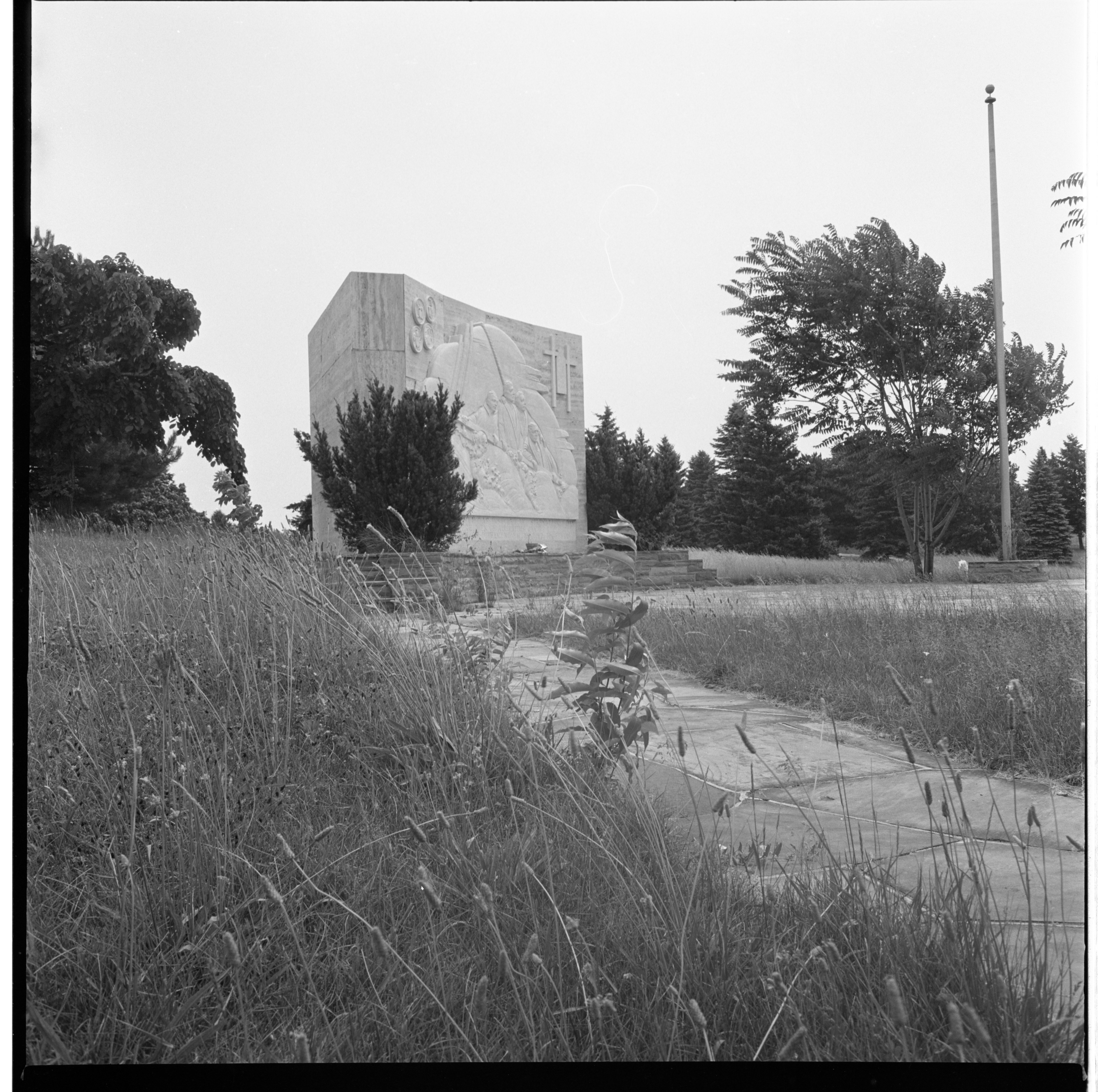 Arborcrest Cemetery's Four Chaplains Monument Surrounded By Weeds, July 1966 image