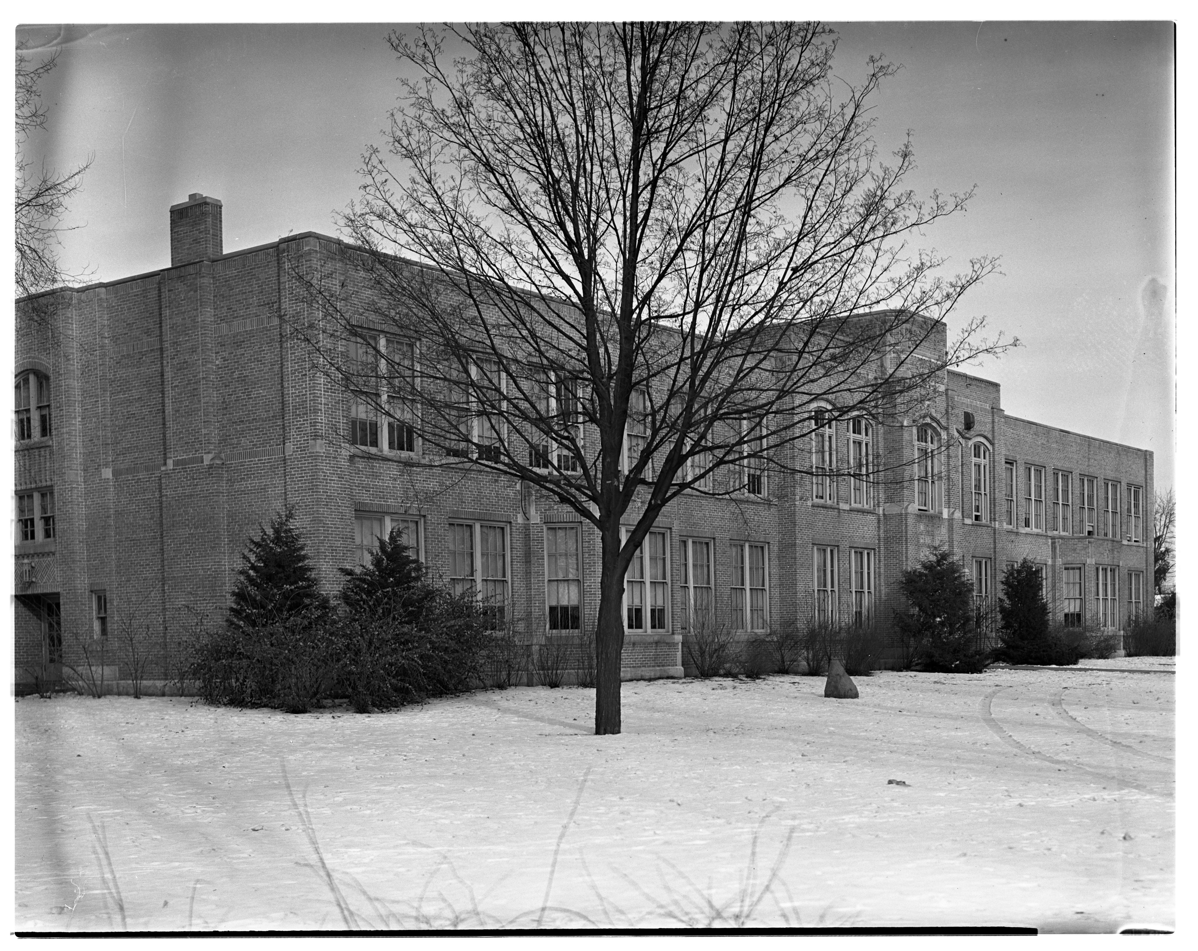 Dundee High School image