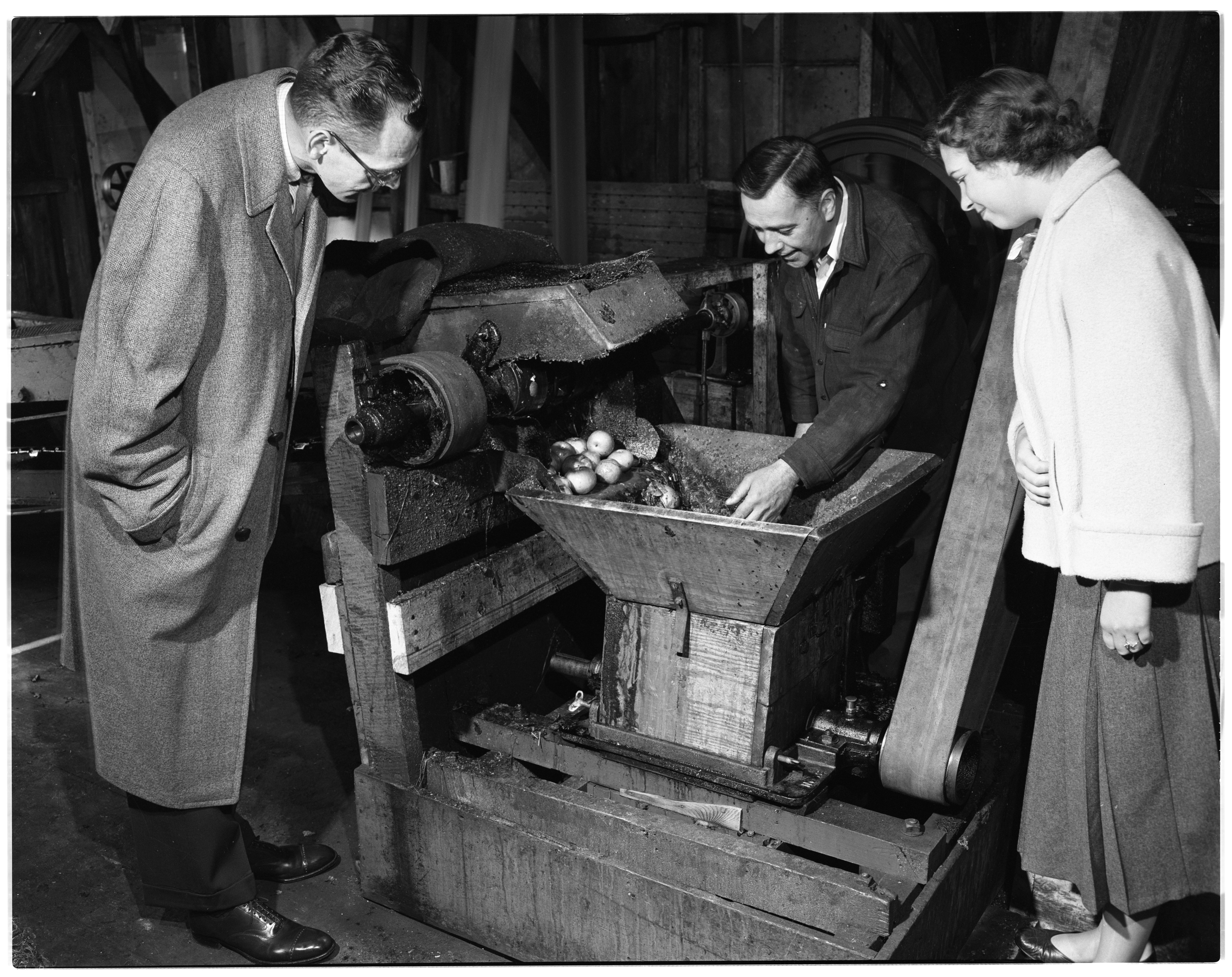 Dexter Cider Mill: O. Wagner and Son Pressing Cider image