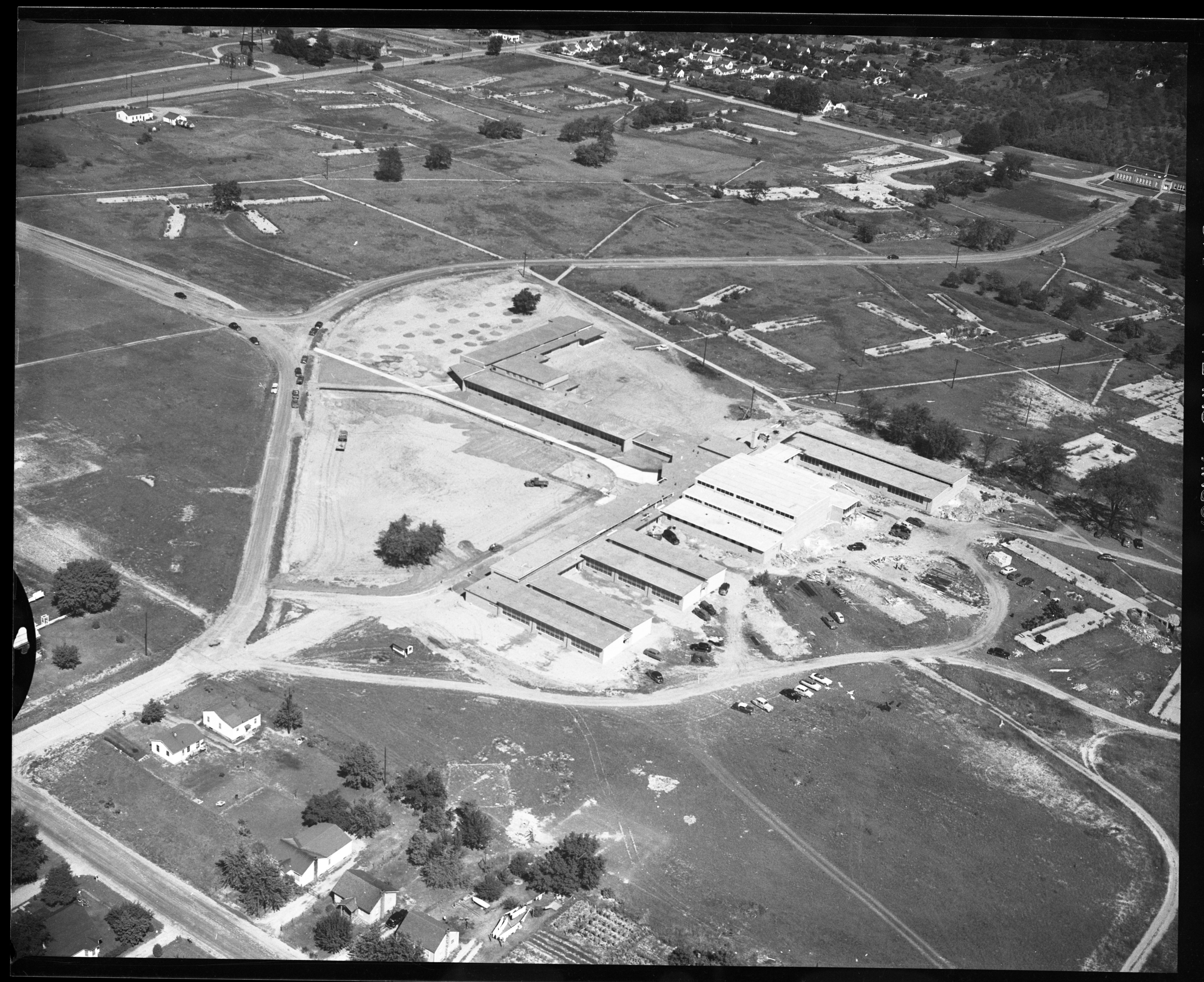 Aerial Photograph of Willow Run's Edmonson Jr. High, September 1952 image