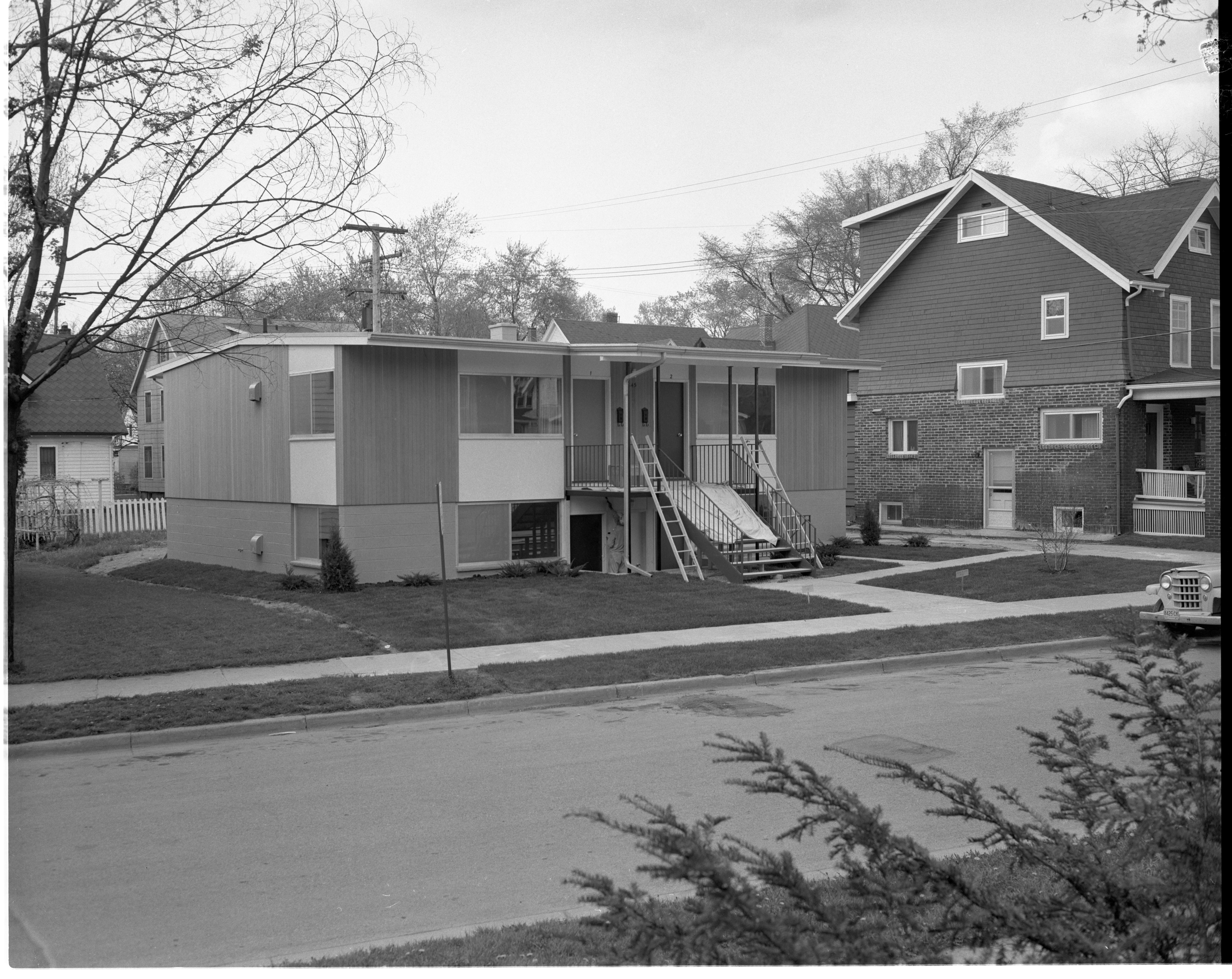 845 Brookwood Place - New Apartment Building On Site Of House Destroyed In May 1959 Windstorm, May 1960 image