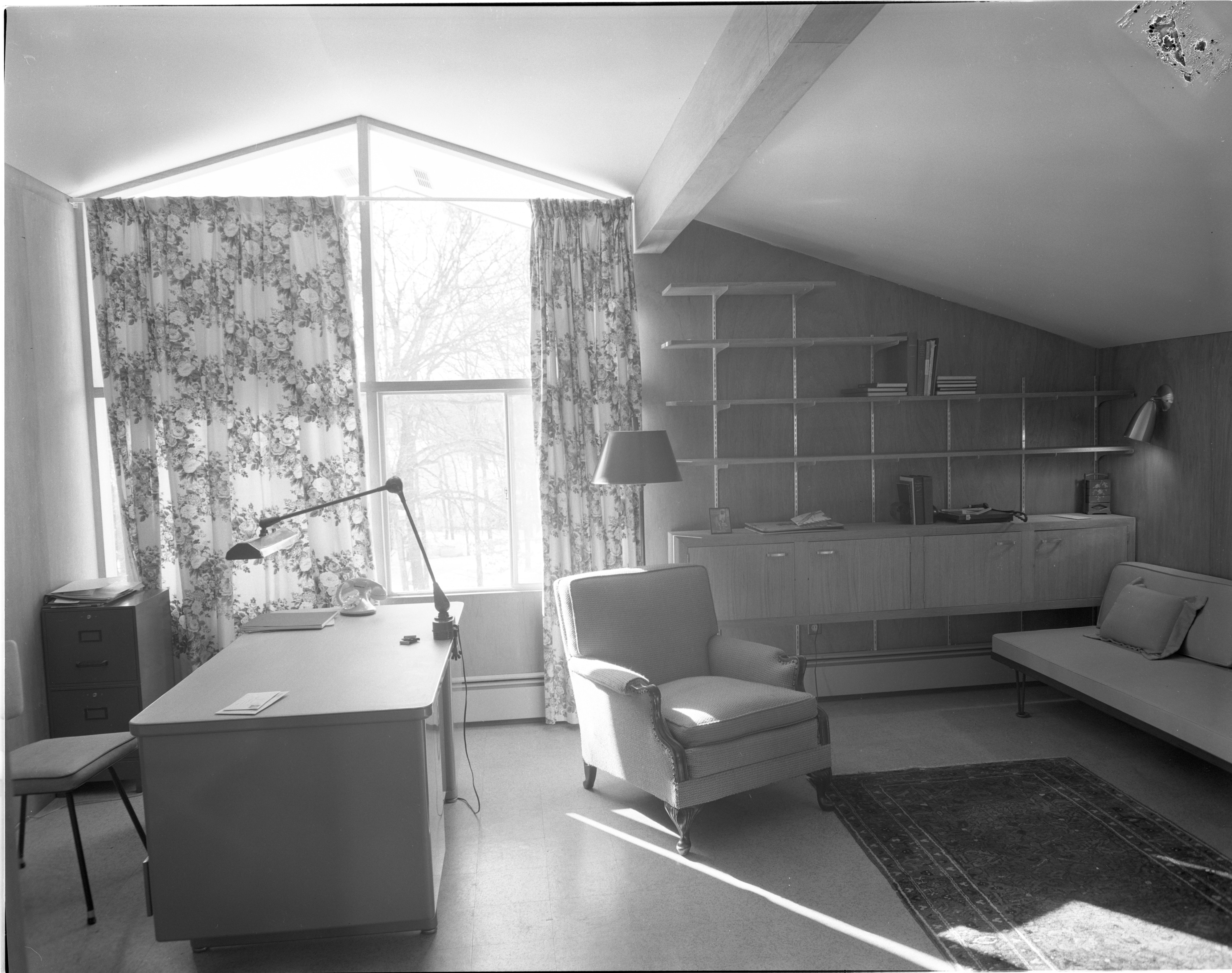 Combined Study & Guest Bedroom - 16 Heatheridge, January 1956 image