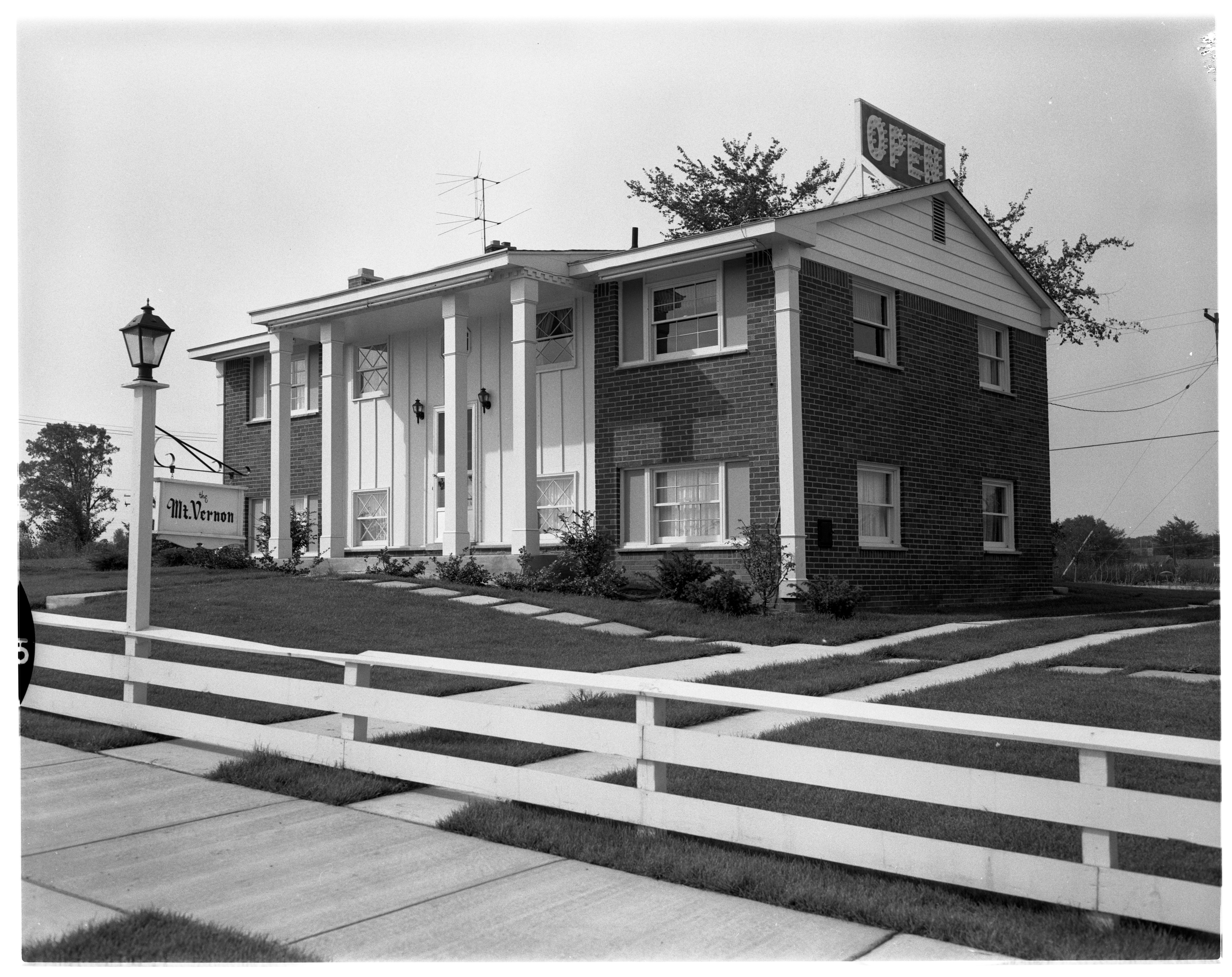 """Mt. Vernon"" Model Home in Forestbrooke Subdivision, September 1960 image"
