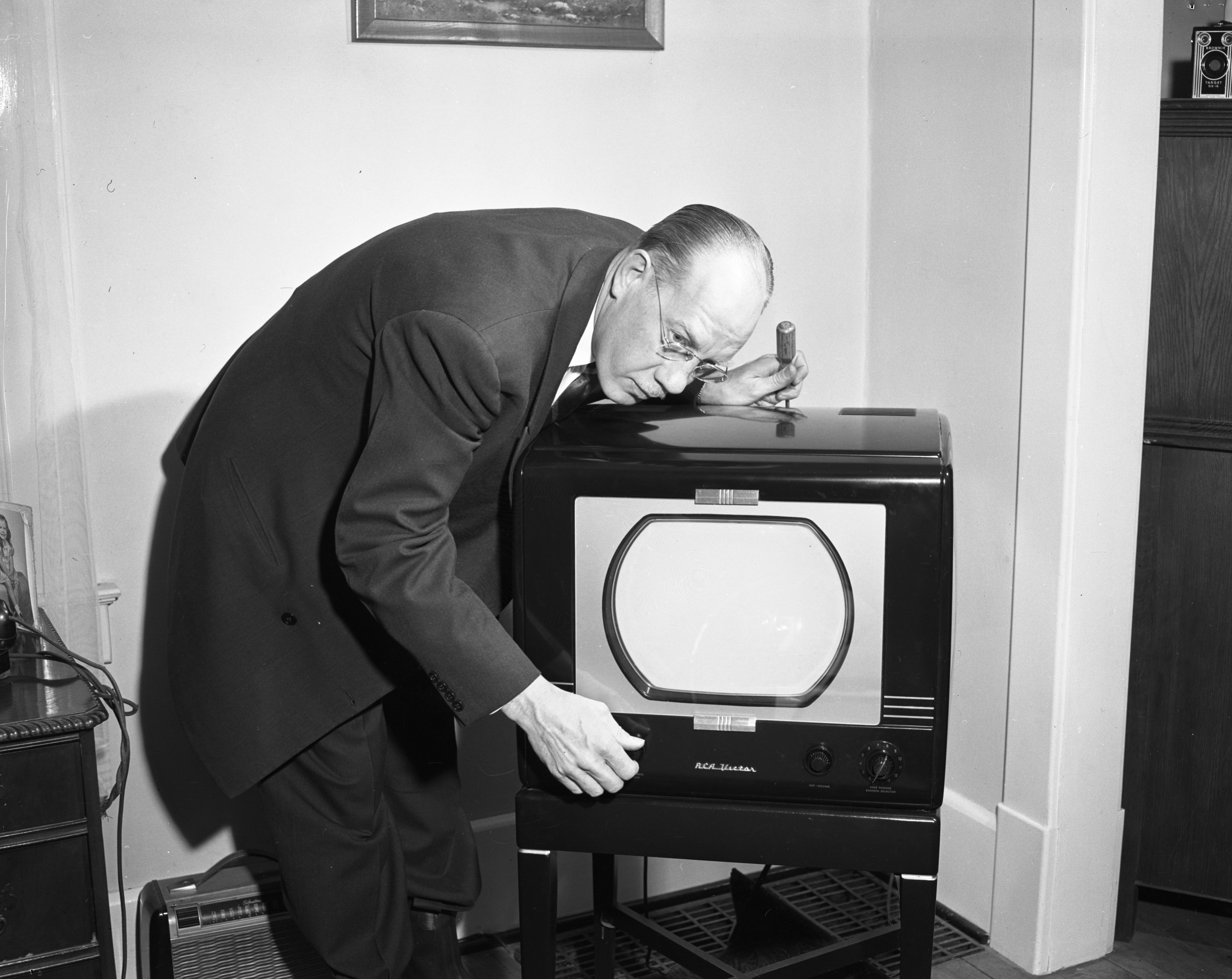 Bob Moorehouse, RCA Television Service, March 1950 image