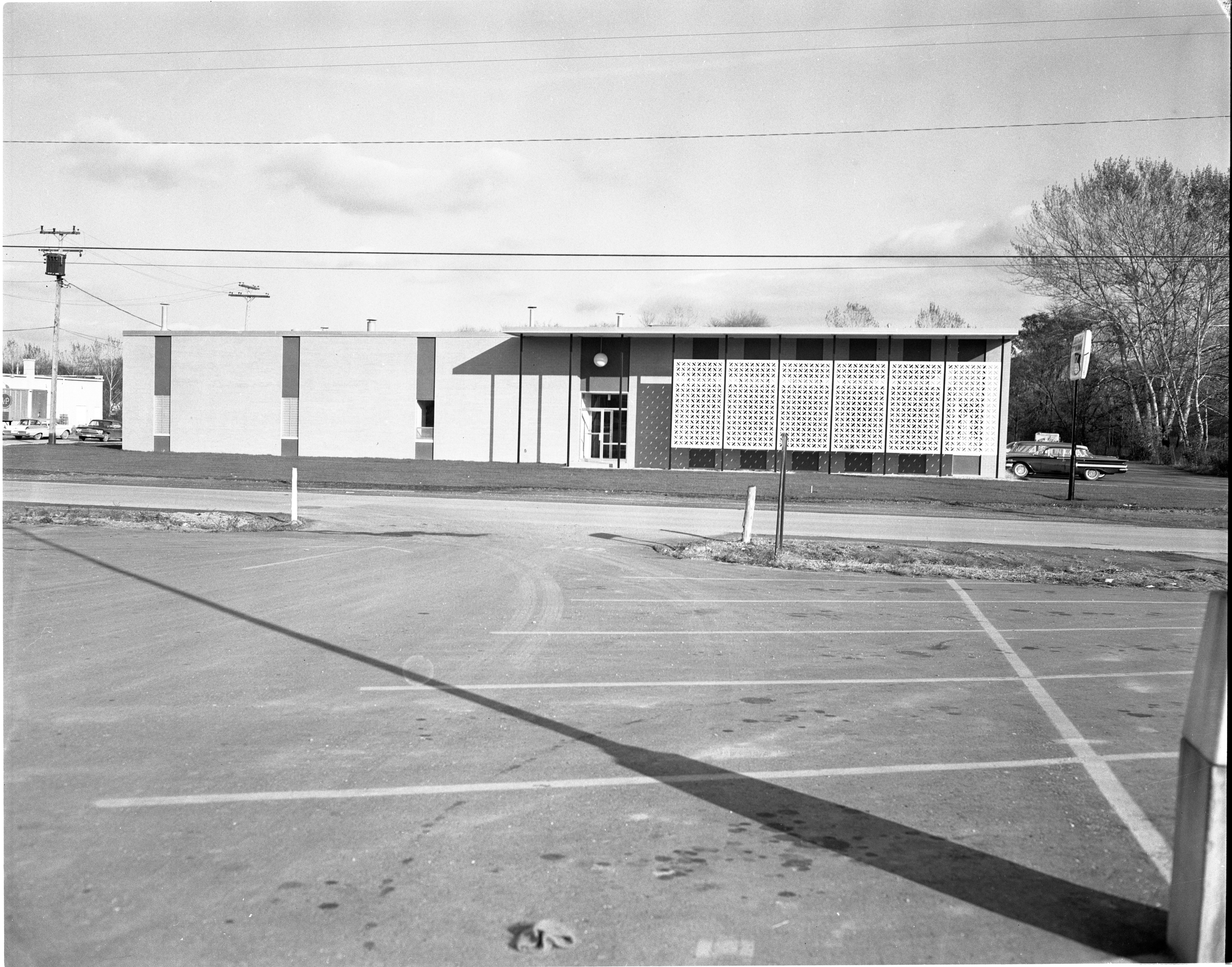 New Coca Cola Bottling Plant - 1935 S. Industrial Hwy, November 1962 image