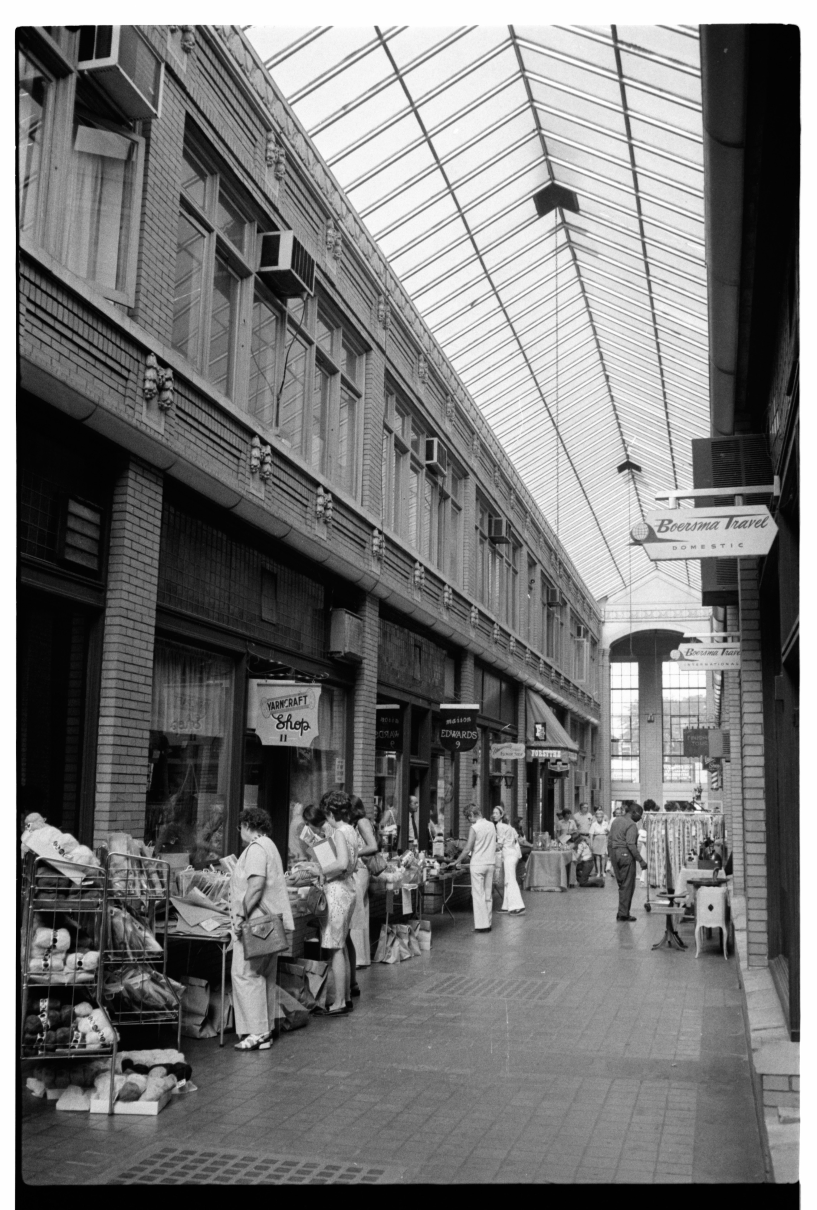 Nickels Arcade, July 1974 image