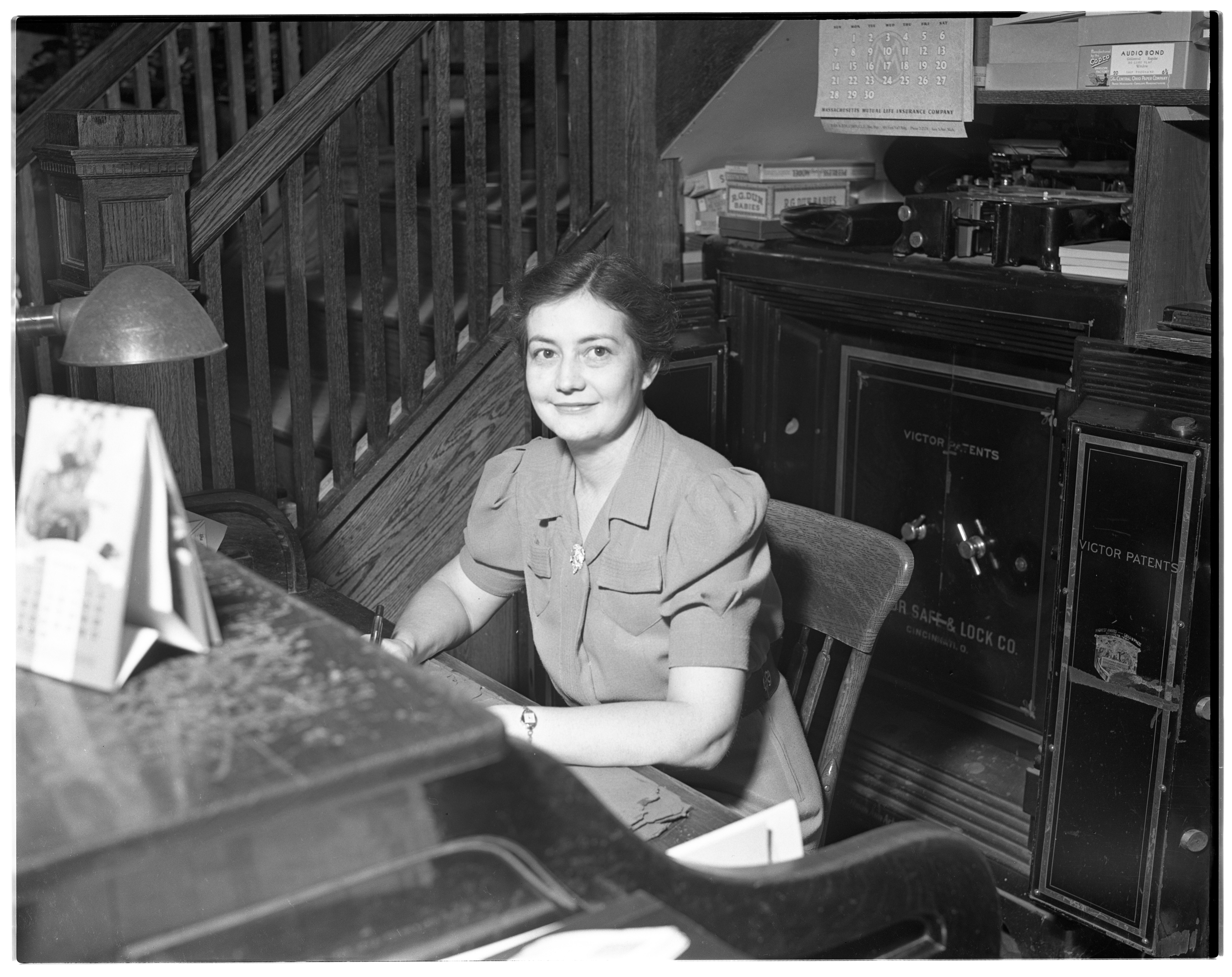 Ruth Perkins, bookeeper at Fiegel Department Store, September 1941 image