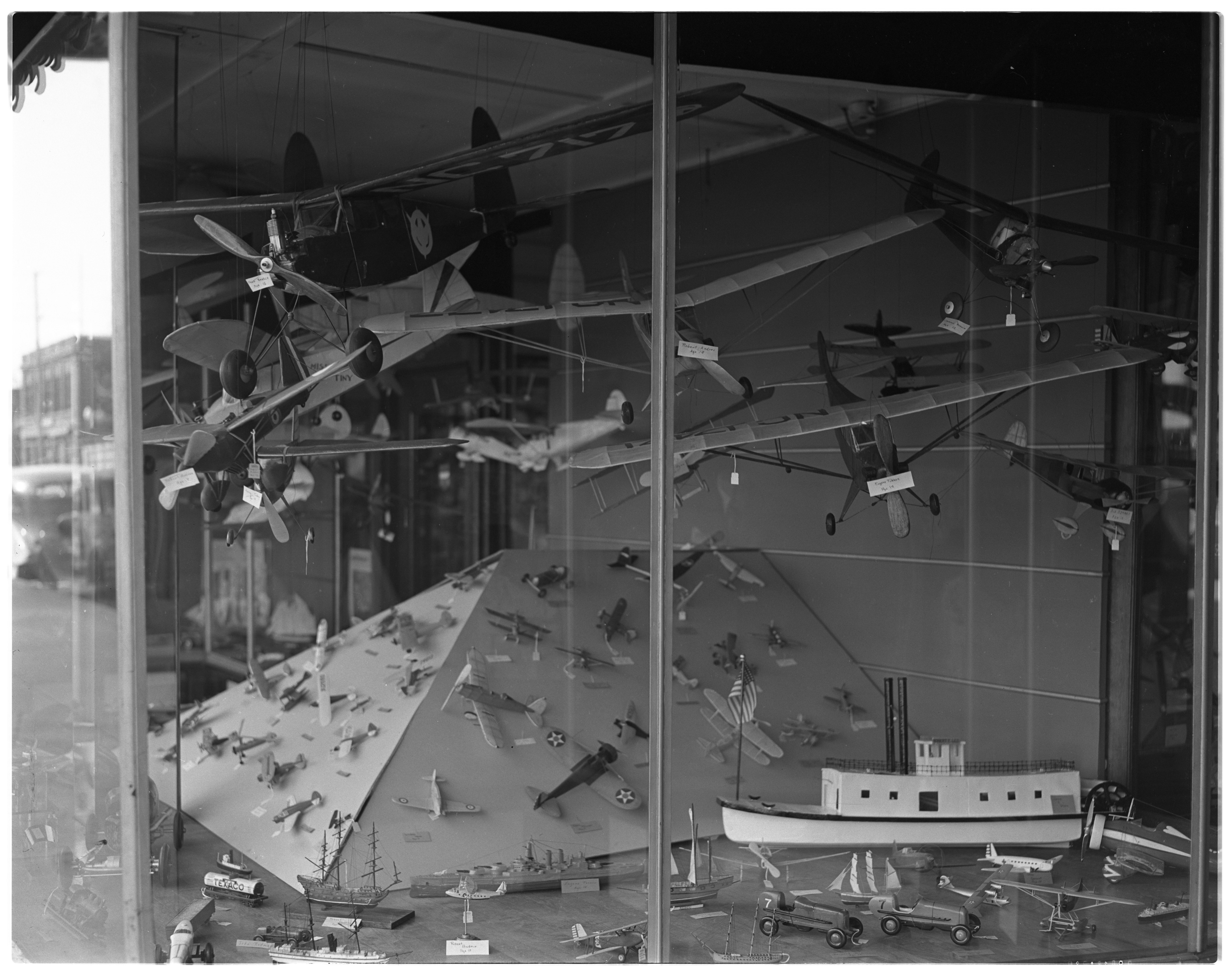 Airplanes and toys in Fiegel's Window, April 1940 image