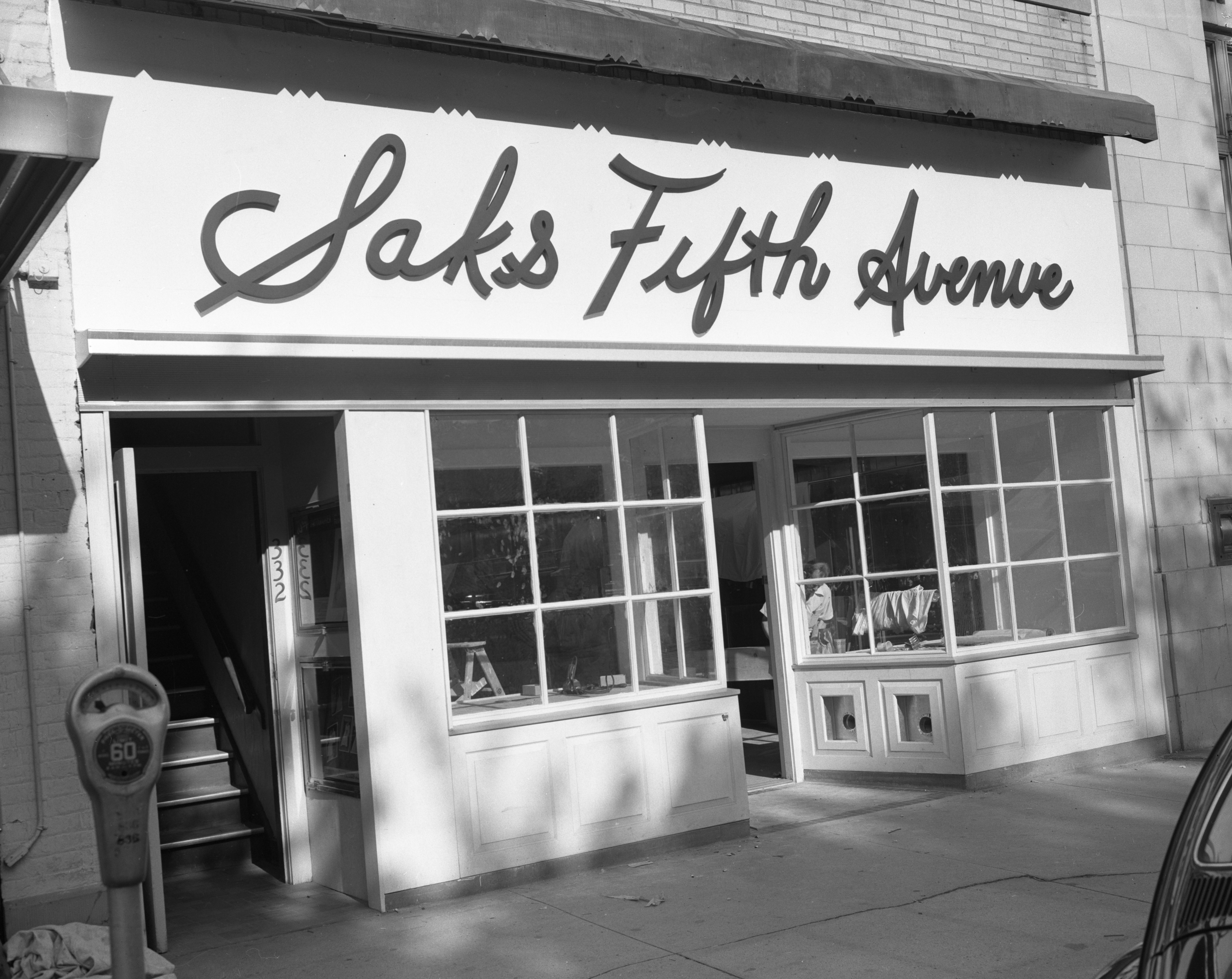 Saks Fifth Avenue, 332 S. State St, August 1960 image