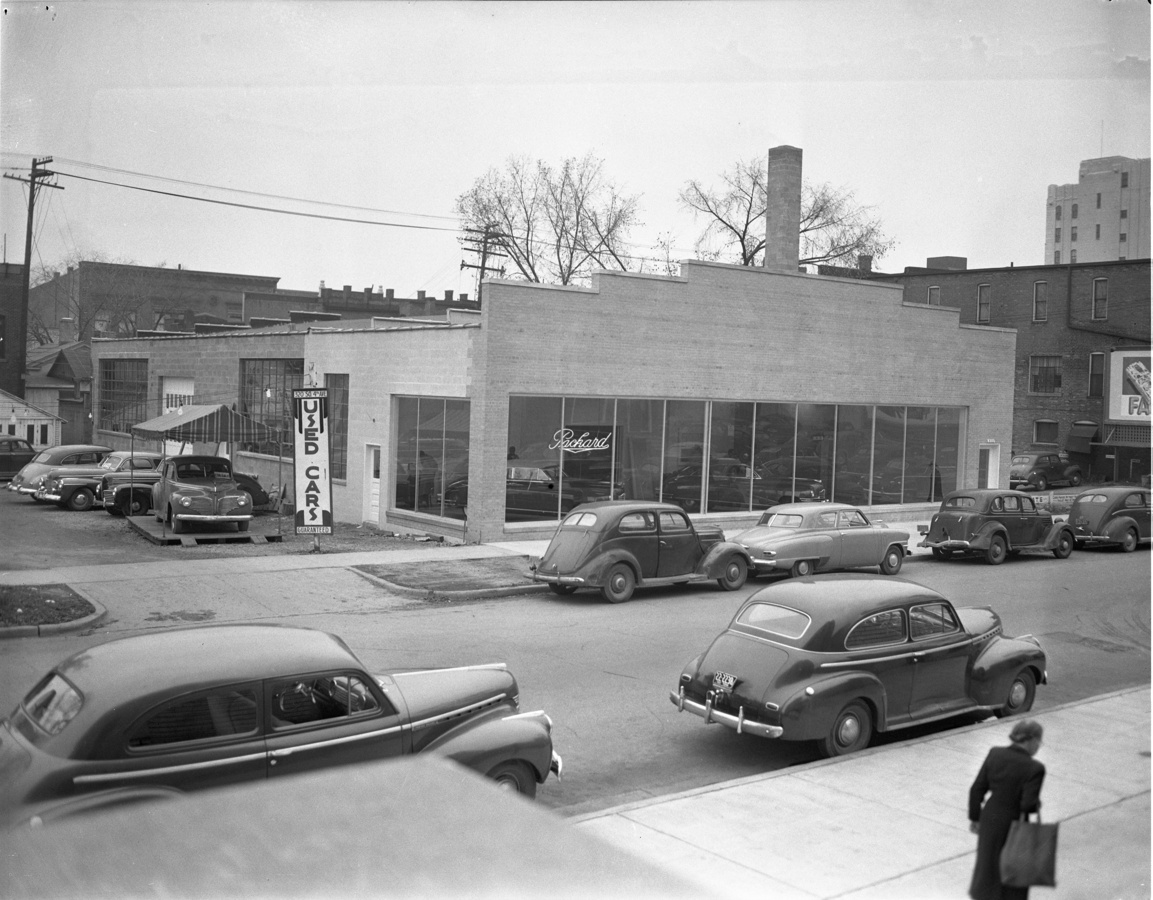 Manausa Motor Sales - New Packard Sales & Service Center, October 1947 image