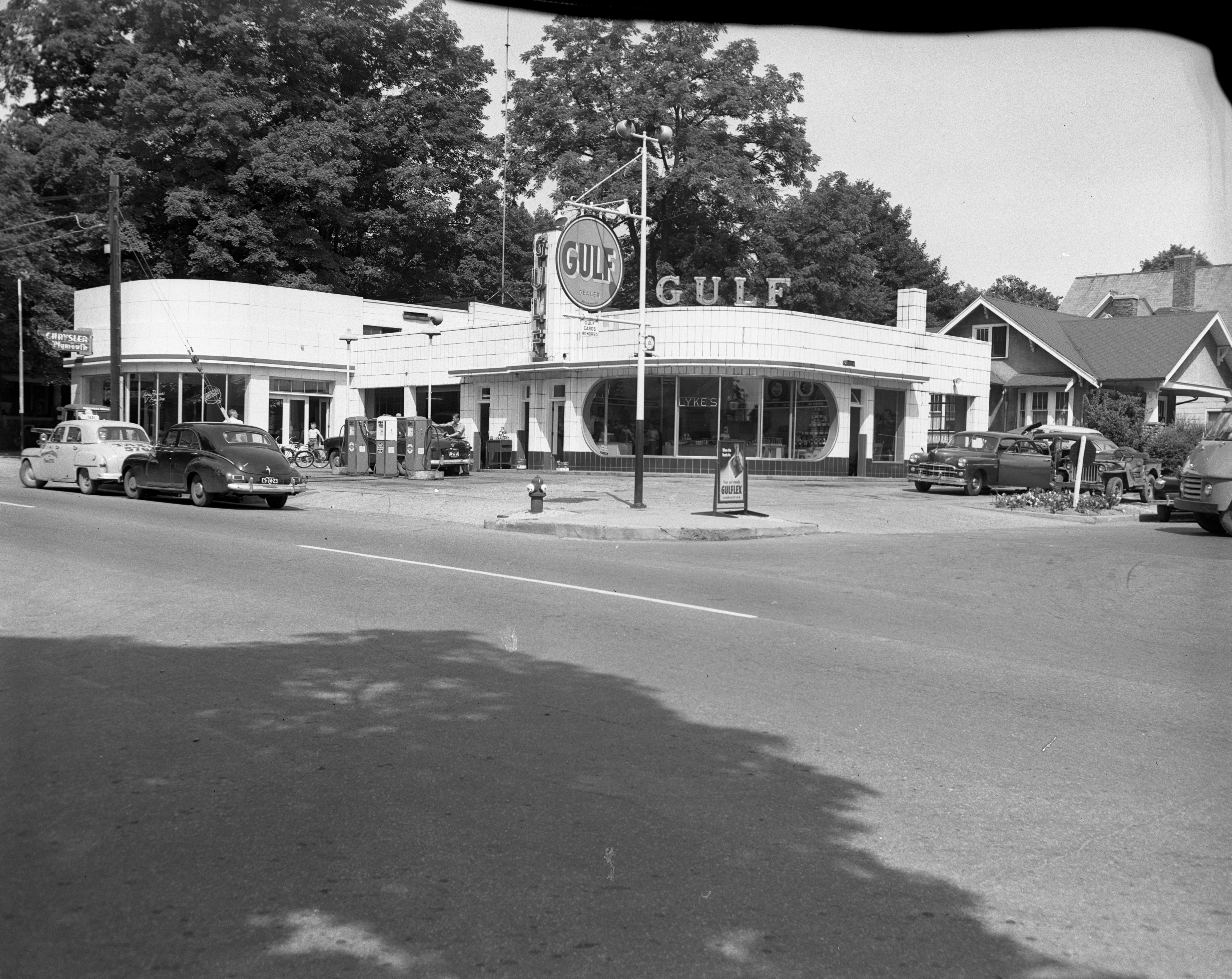 Lyke's Gulf gas station, August 1951 image