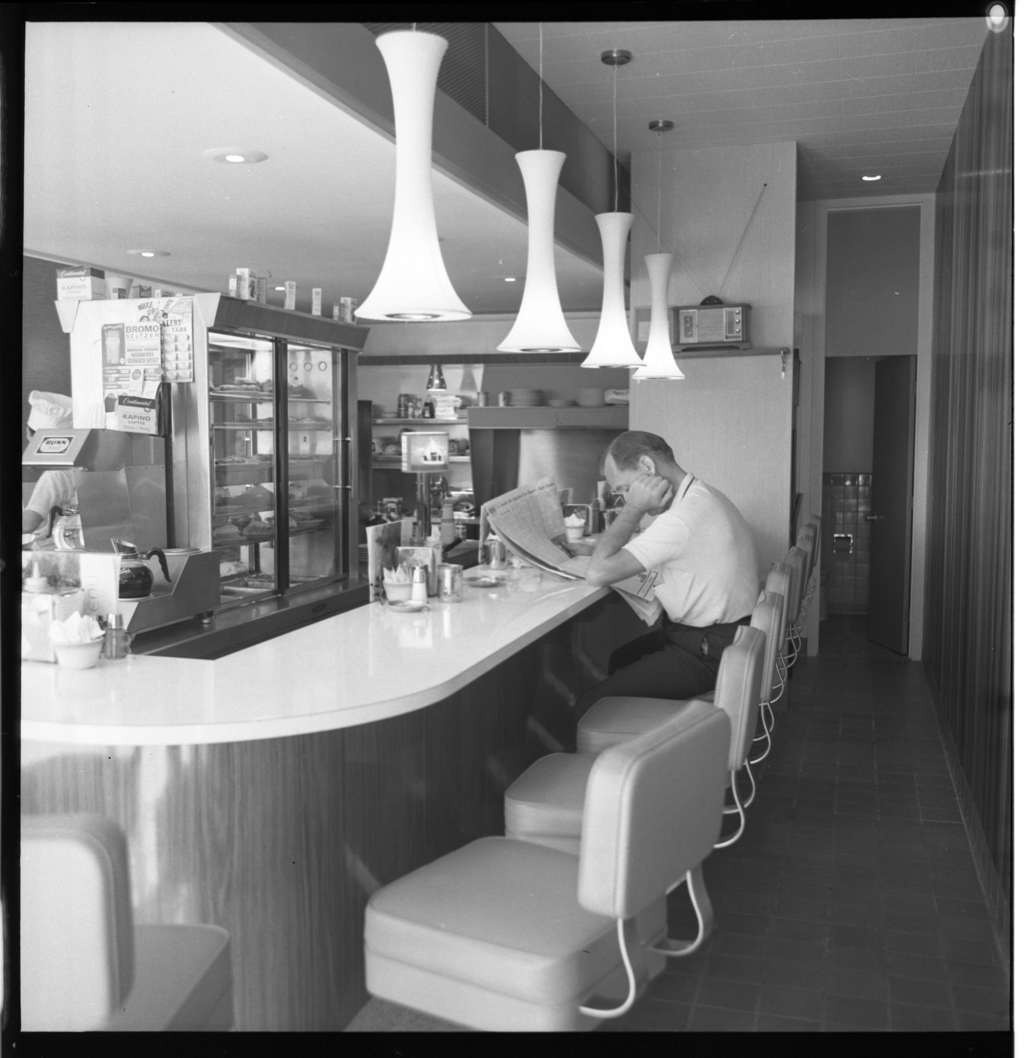 Mallis Coffee Cup - Interior, September 1962 image