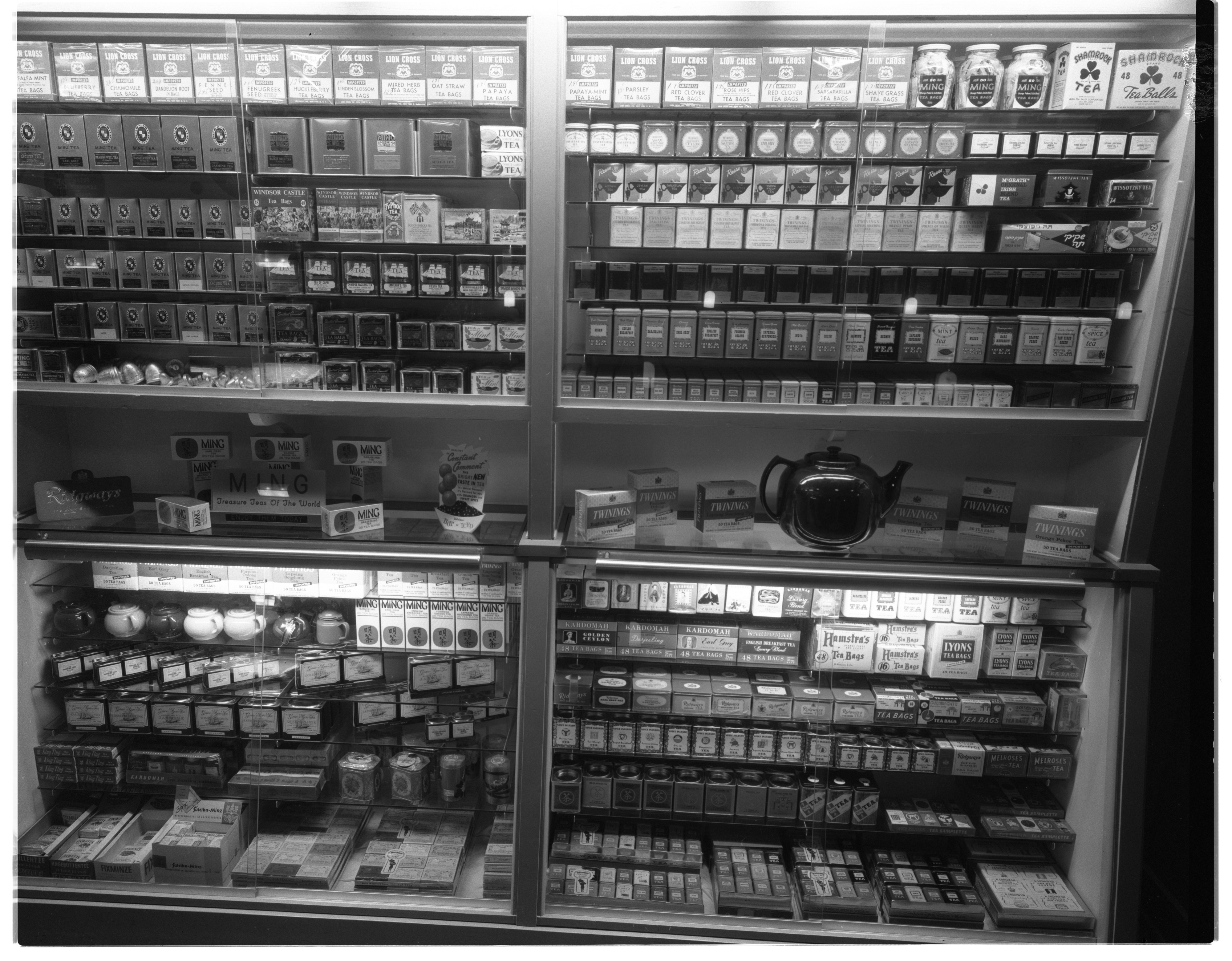 Tea Display, Drakes Sandwich Shop, January 1963 image